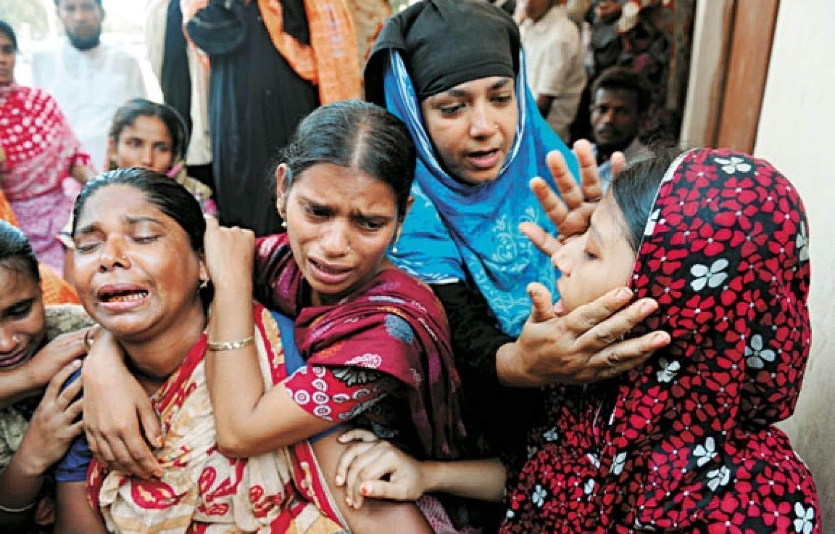 Une famille vient d'identifier le corps d'un des siens parmi les quelque 500 victimes de l'effondrement.