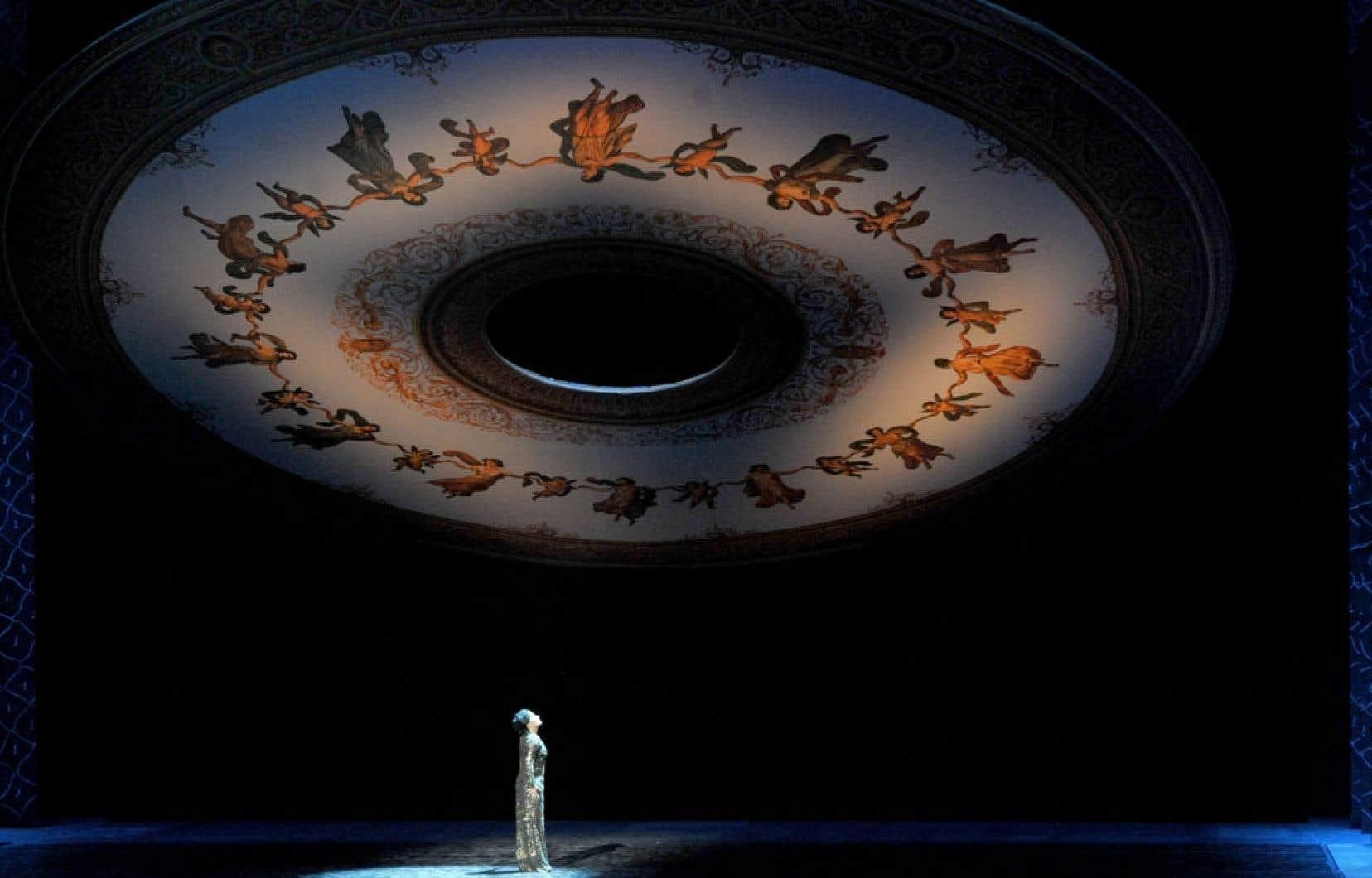 La chanteuse Anna Netrebko était de la distribution d'Iolanta de Tchaïkovski, un opéra qui a été présenté dans le cadre de l'ouverture du nouveau théâtre Mariinsky.