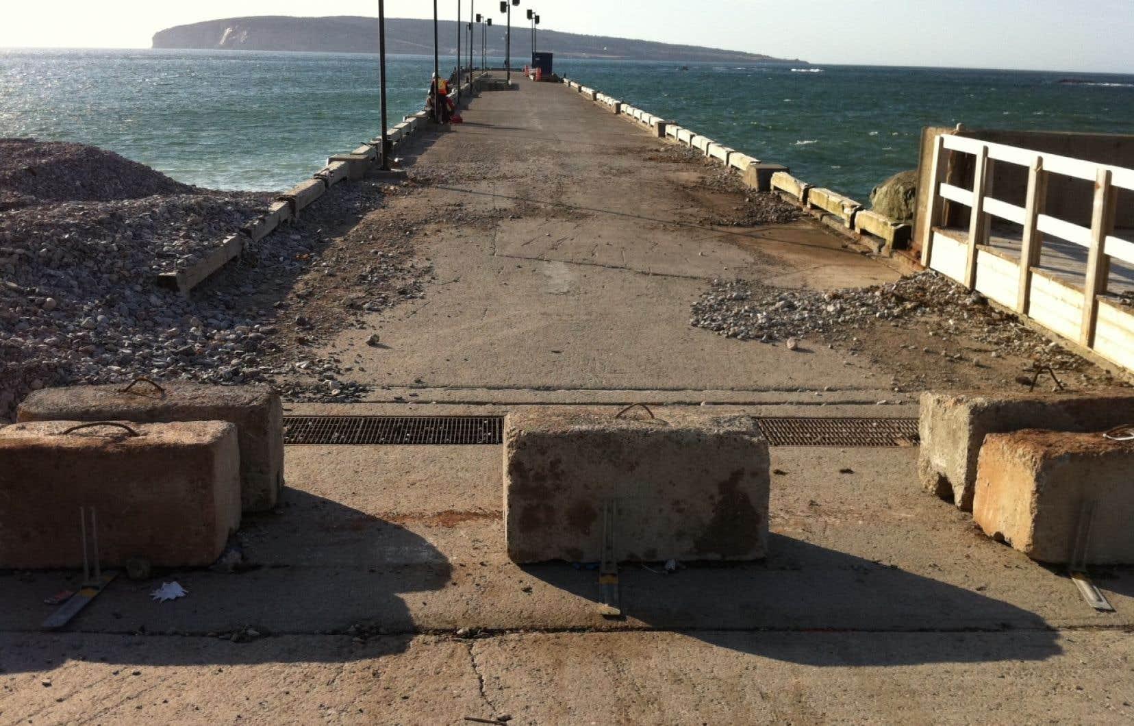 Le ministère des Pêches et des Océans (MPO) avait fermé le quai de Percé mercredi dernier.
