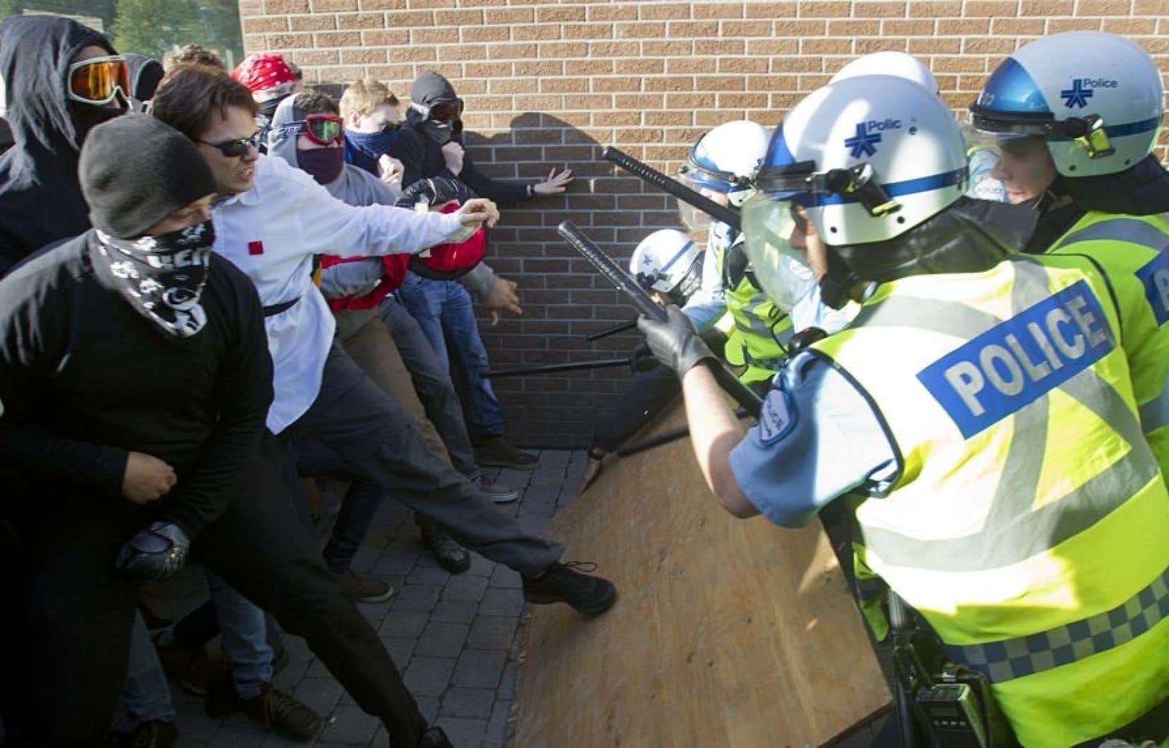 Les rassemblements du printemps érable de 2012 ont donné lieu à de nombreux affrontements et incidents impliquant des policiers et des manifestants.