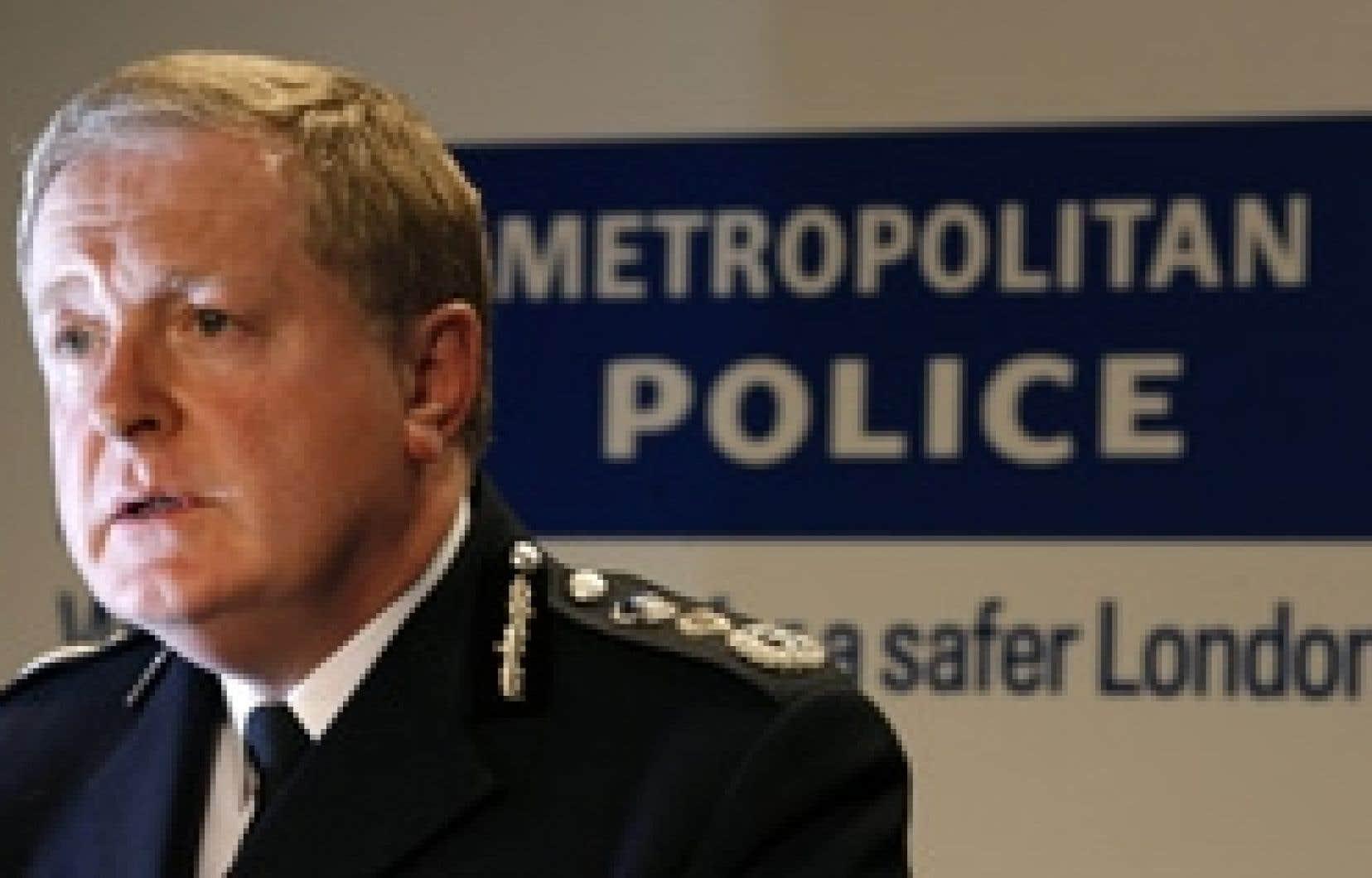 Alessia Pierdomenico reuters Le patron de la police britannique, Ian Blair, a été dédouané par la commission d'enquête.