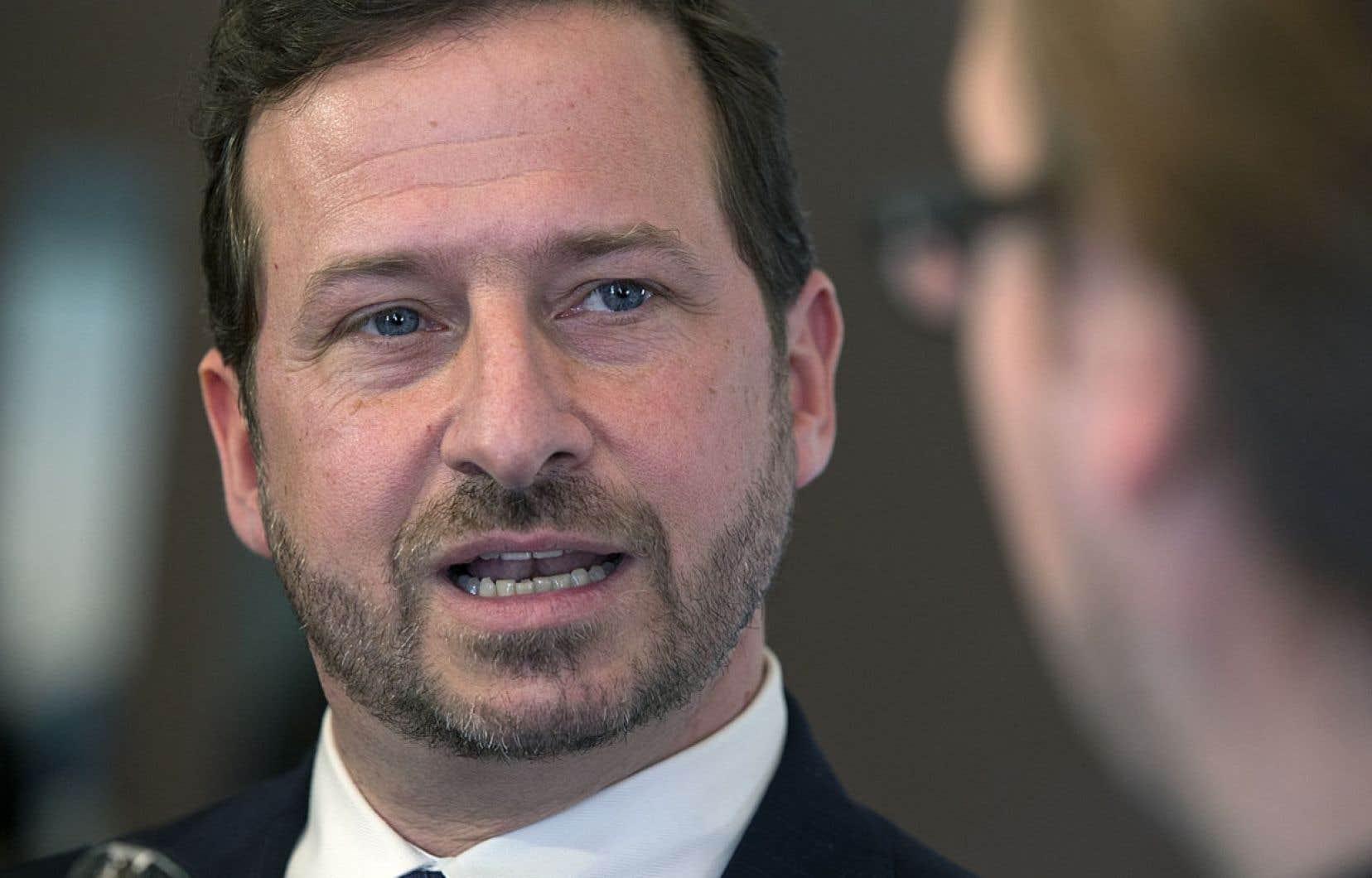 Il n'est pas question de freiner le processus d'exploration pétrolière à Anticosti, dit le ministre de l'Environnement, Yves-François Blanchet.