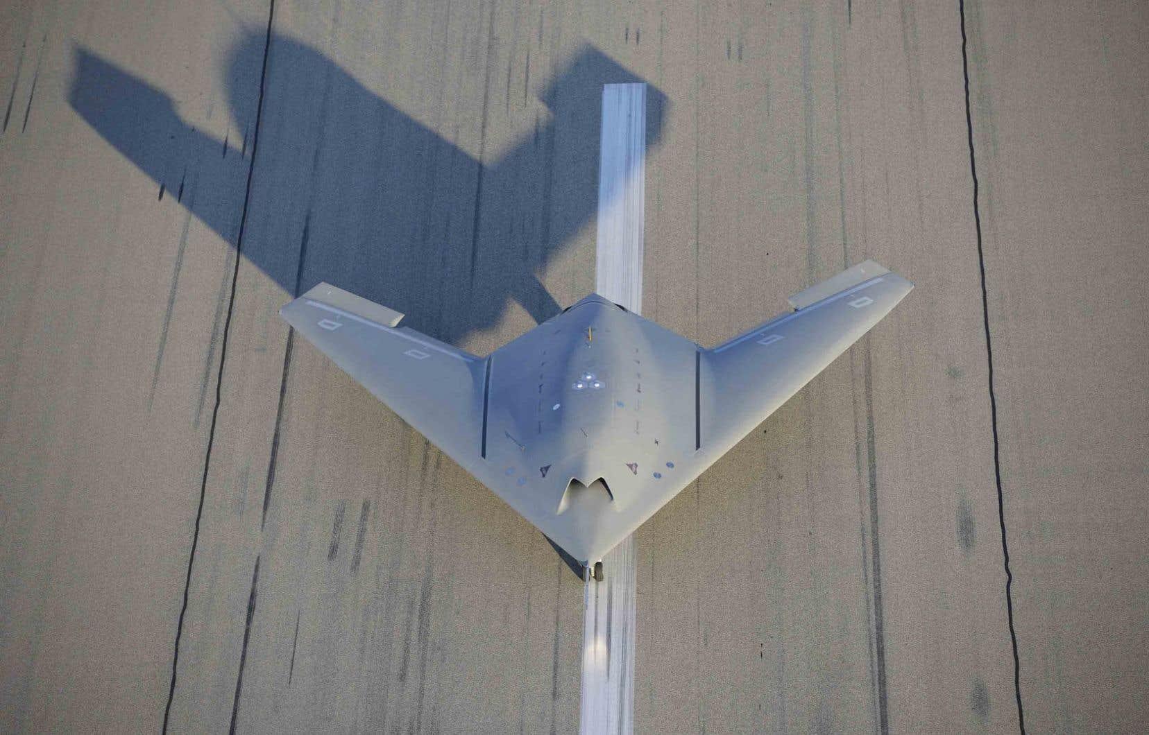Neuron est un prototype de drone de combat furtif européen construit par Dassault aviation. Il préfigure ce que seront les drones de combat conçus spécifiquement pour les attaques au sol et le bombardement.
