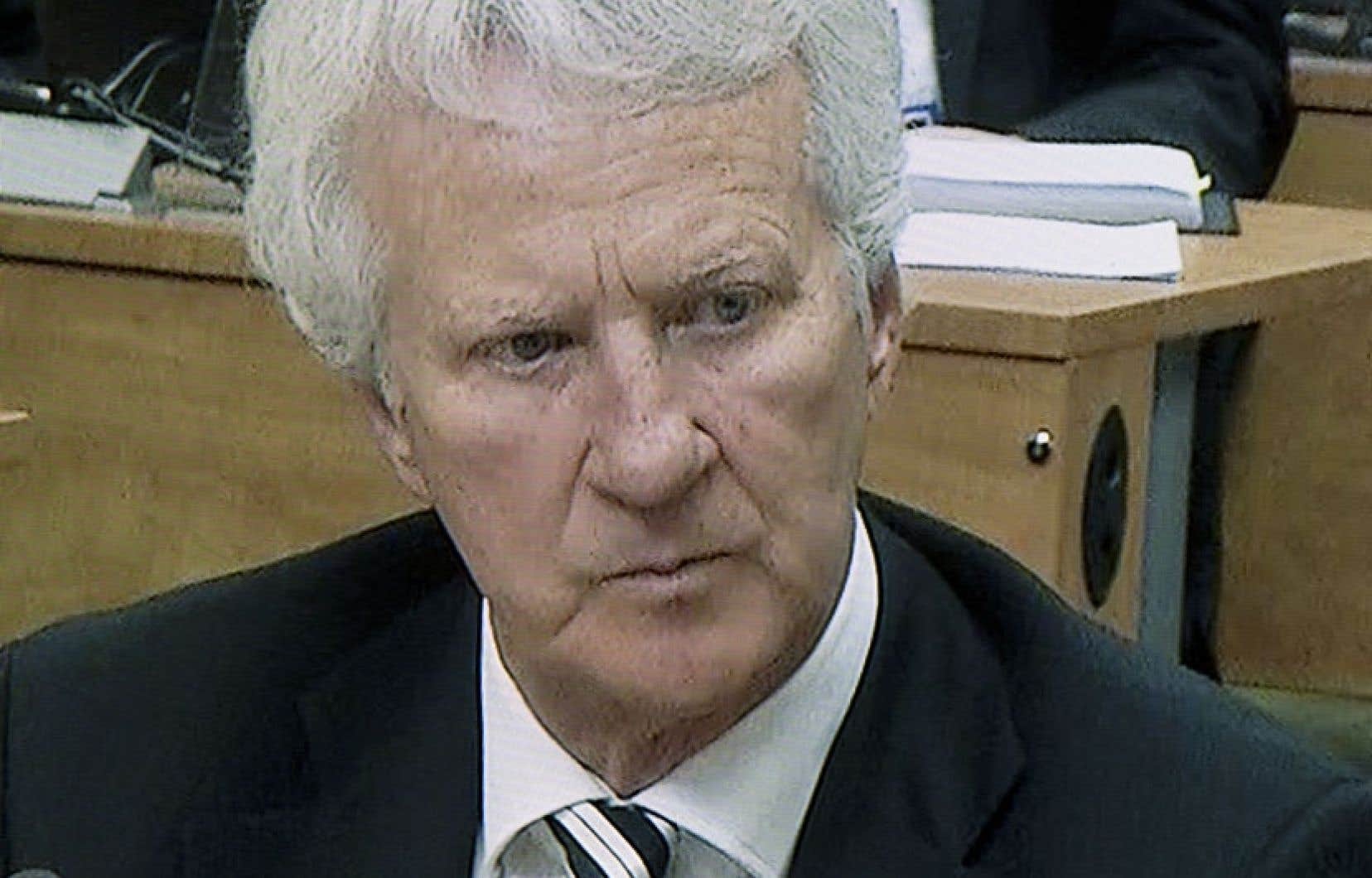 L'entrepreneur Gilles Théberge a affirmé jeudi devant la commission Charbonneau avoir payé le prix de son implication dans la collusion : le 15 juin 2000, sa voiture a explosé en pleine nuit.