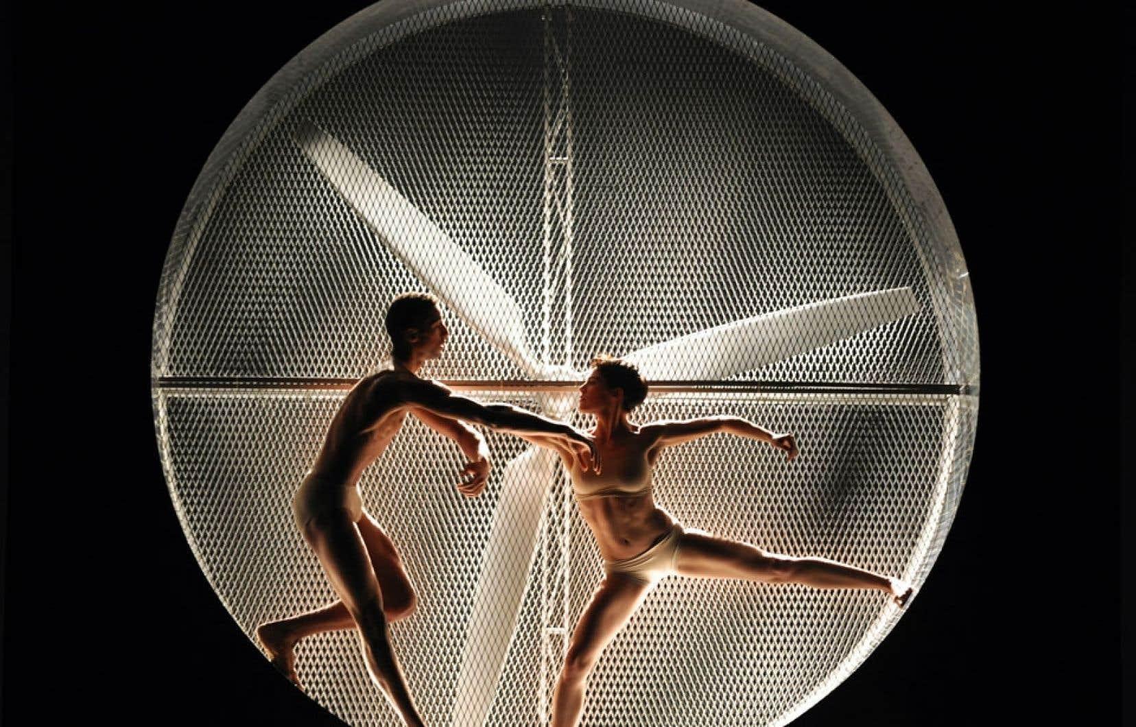 Prestation de la troupe Aterballetto en Bulgarie, en 2008