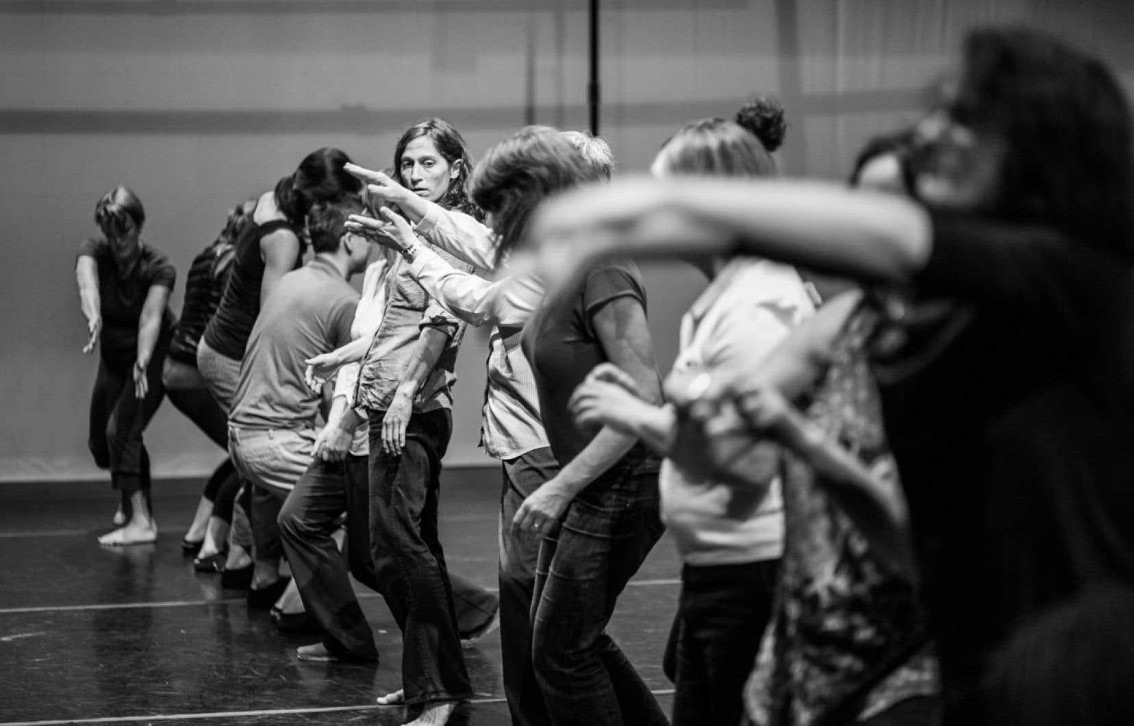 « Avec la danse, on se préoccupe du corps au-delà des marques et des coups, dans l'ici et maintenant, on apprend à réutiliser le corps pour passer des messages souvent positifs, d'affirmation de soi », affirme la directrice de la maison d'hébergement La Dauphinelle.