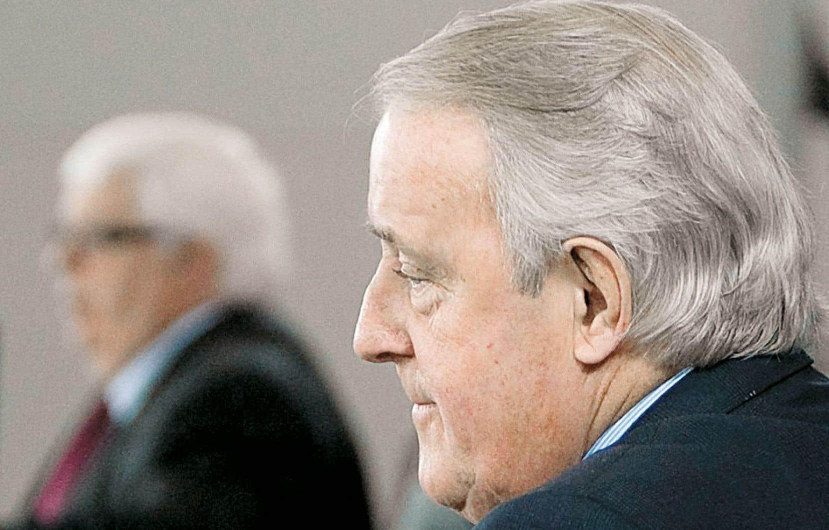 Le juge Jeffrey Oliphant a conclu en juin 2010 que l'ancien premier ministre Brian Mulroney avait enfreint son propre code d'éthique en acceptant de l'argent liquide de l'homme d'affaires Karlheinz Schreiber.