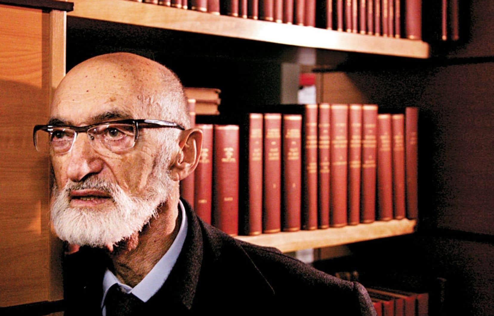 Henry Morgentaler dans les bureaux de son avocat montréalais en janvier 2006