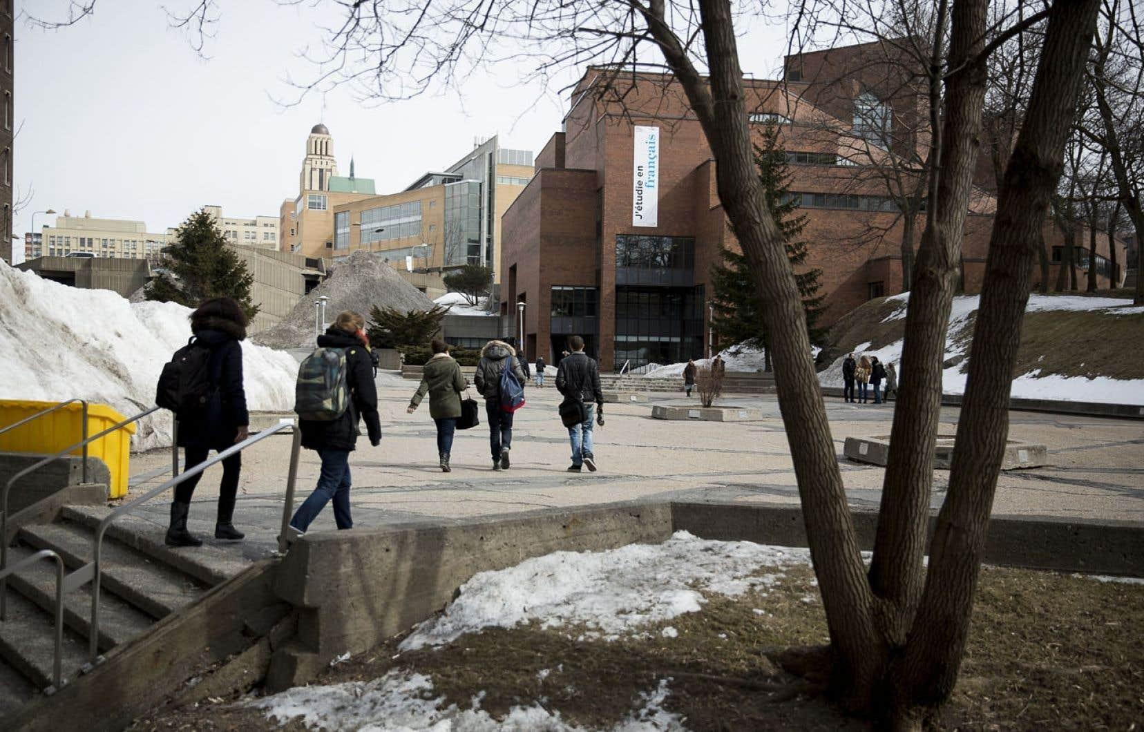 Les universités doivent se tenir, comme le font les professeurs d'université au sein de leur fédération, comme l'ont fait les étudiants. Ci-haut, le campus de l'Université de Montréal