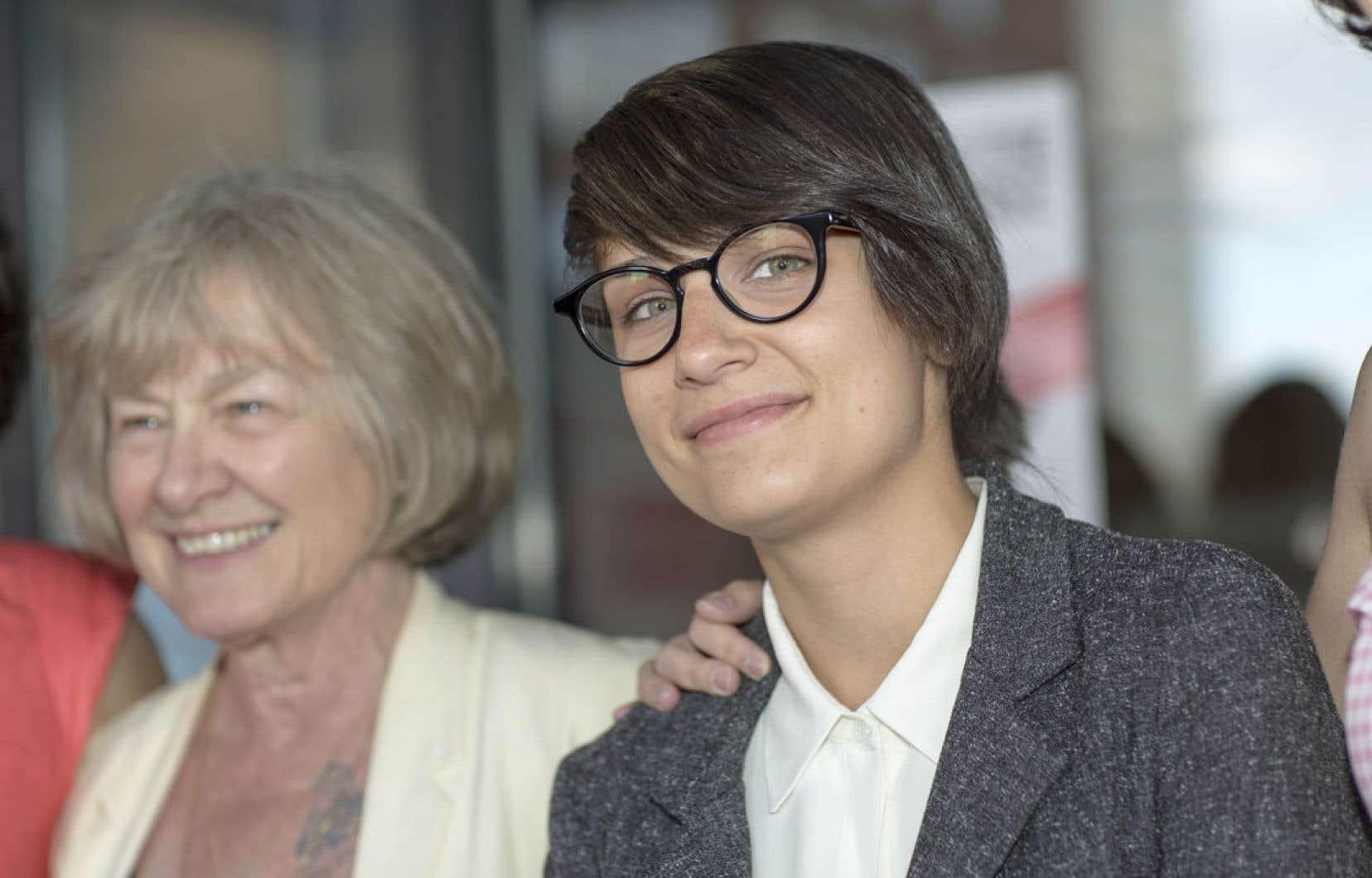 Parfois, dans Sarah préfère la course, on a presque l'impression que Micheline Lanctôt, une réalisatrice expérimentée, sourit à la débutante Chloé Robichaud par-delà l'objectif.