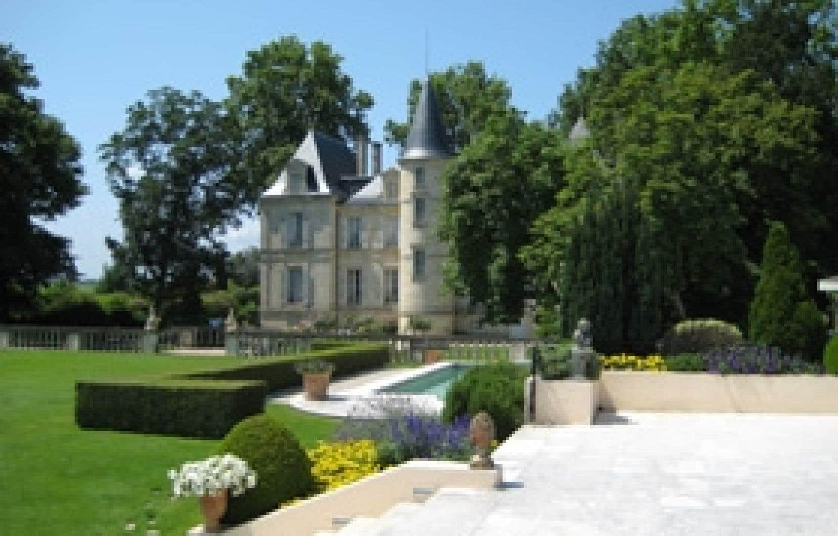 May-Éliane de Lencquesaing et son équipe ont réussi à vendre le Château Pichon Lalande à la maison Roederer, et pas à des investisseurs étrangers sans scrupules, sans aucune autre envie que de se payer un Château prestigieux pour se péter les b
