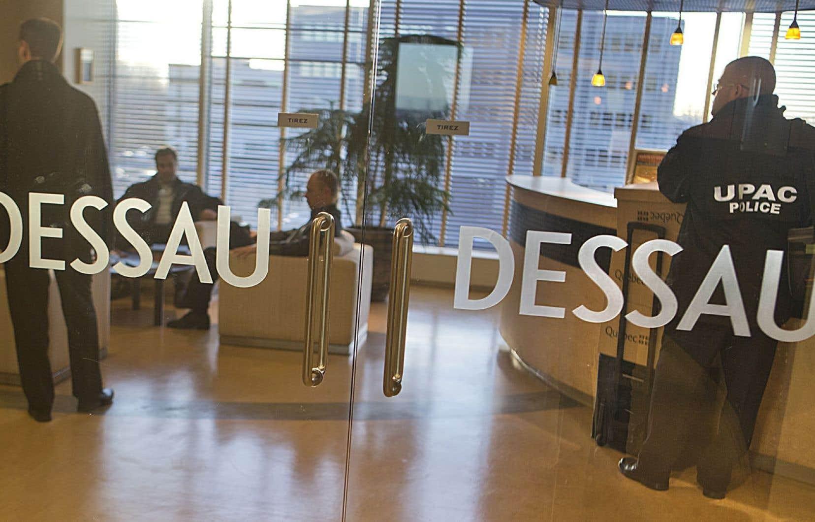 L'UPAC en perquisition dans les bureaux de Dessau, en novembre 2012