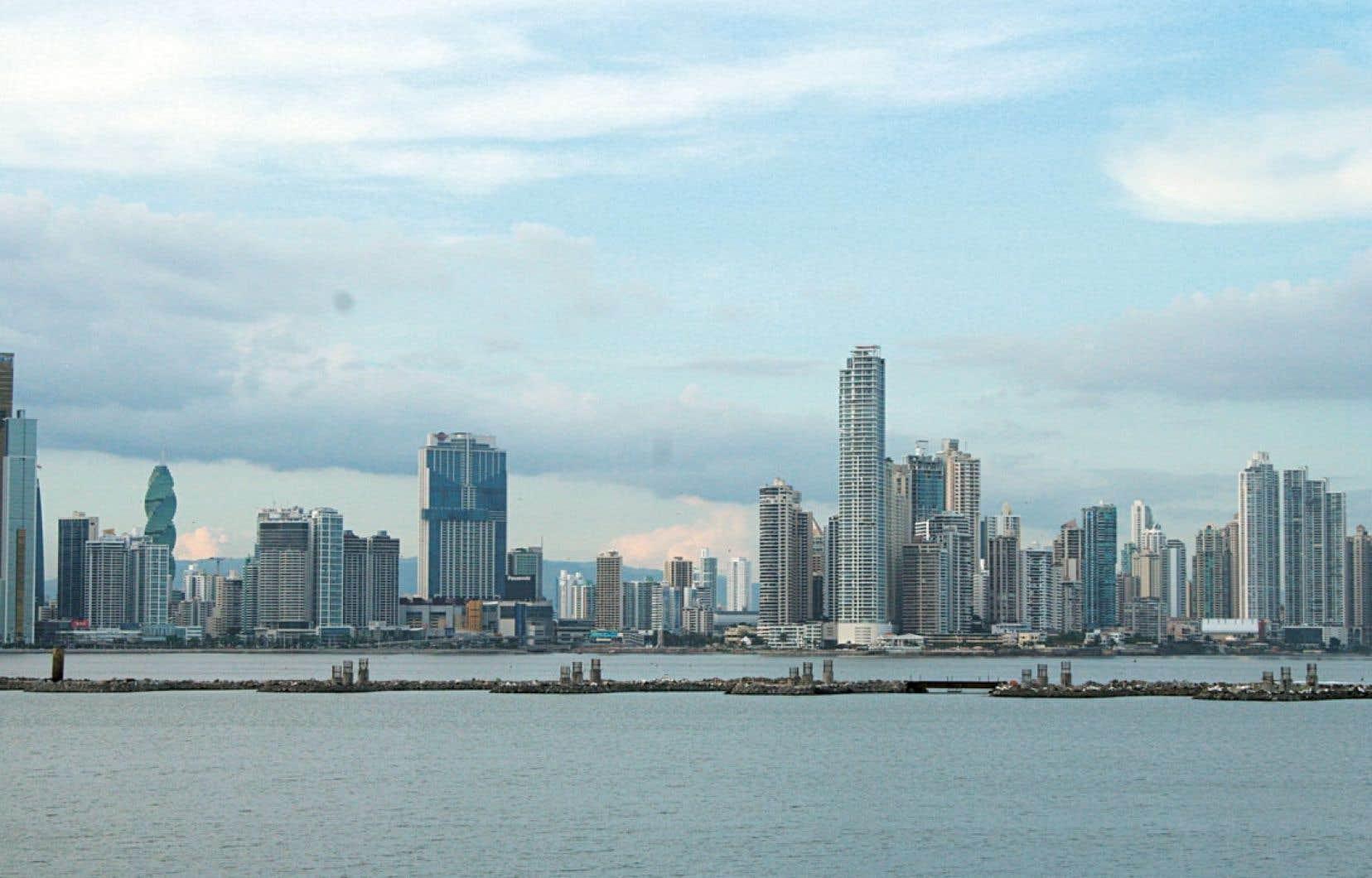 La silhouette de la ville moderne de Panamá