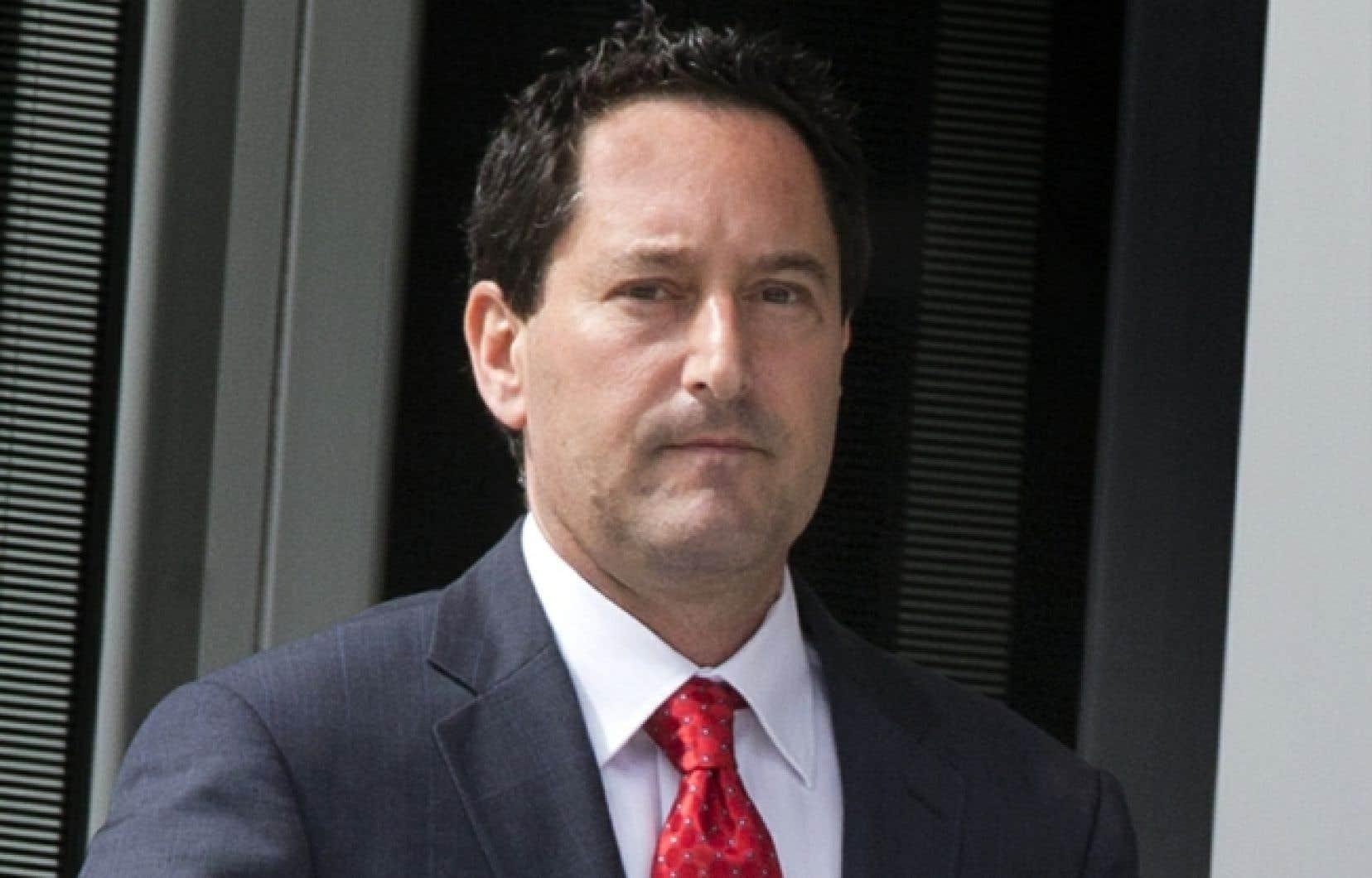 Michael Applebaum fait face à 14 chefs d'accusation pour fraude, complot, abus de confiance et actes de corruption dans les affaires municipales. Il a démissionné de son poste de maire intérimaire un jour après son arrestation par l'UPAC.