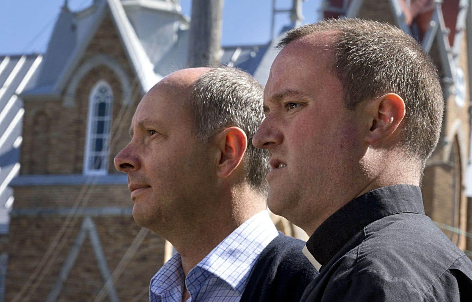 René Roy et Steve Lemay ont dévoilé jeudi le déroulement de la cérémonie de samedi.