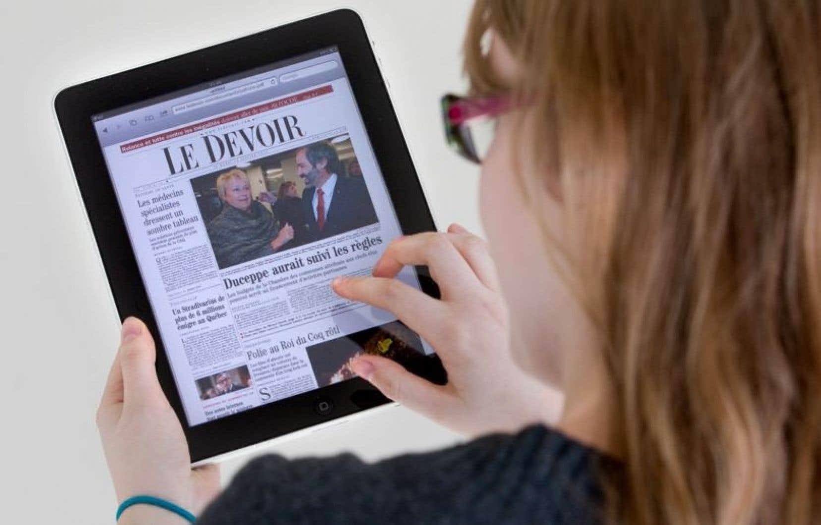Selon les données recueillies, 27 pour cent des foyers québécois possèdent une tablette numérique, 42 pour cent un téléphone intelligent, alors que 12 pour cent possèdent une liseuse électronique.