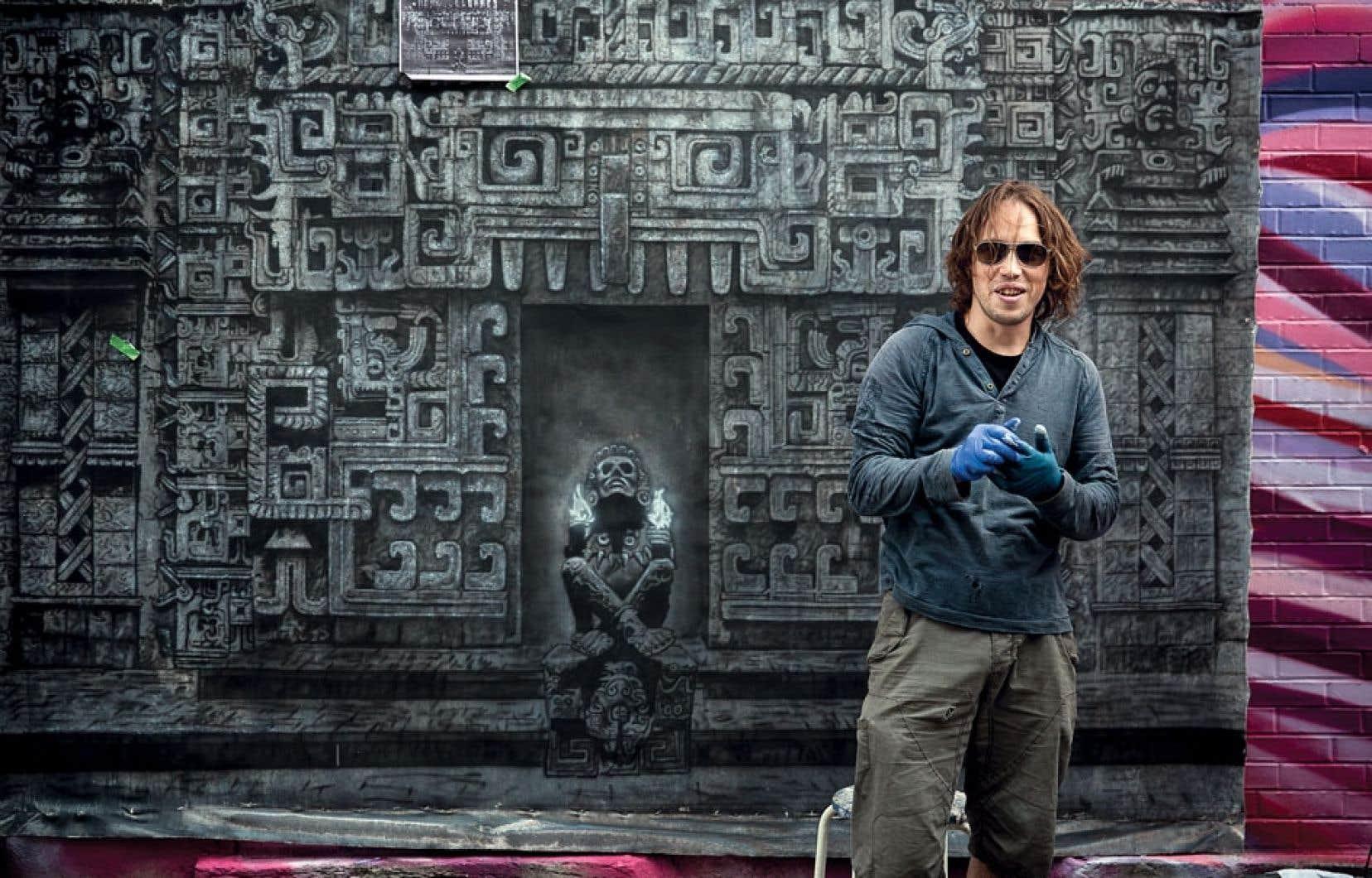 Inspiré par ses portes d'anciennes civilisations, Jean Pronovost a créé une toile à l'airbrush et au pinceau.