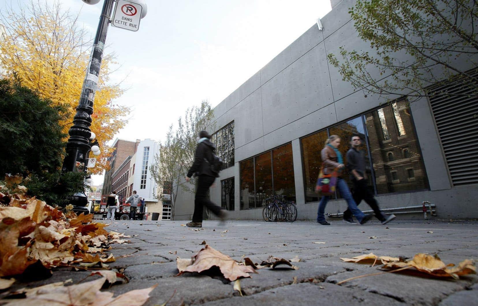 Un projet de terrasse devant l'hôtel Pur avait suscité la grogne à la fin de 2012, mais le projet n'a pas vu le jour jusqu'à maintenant.