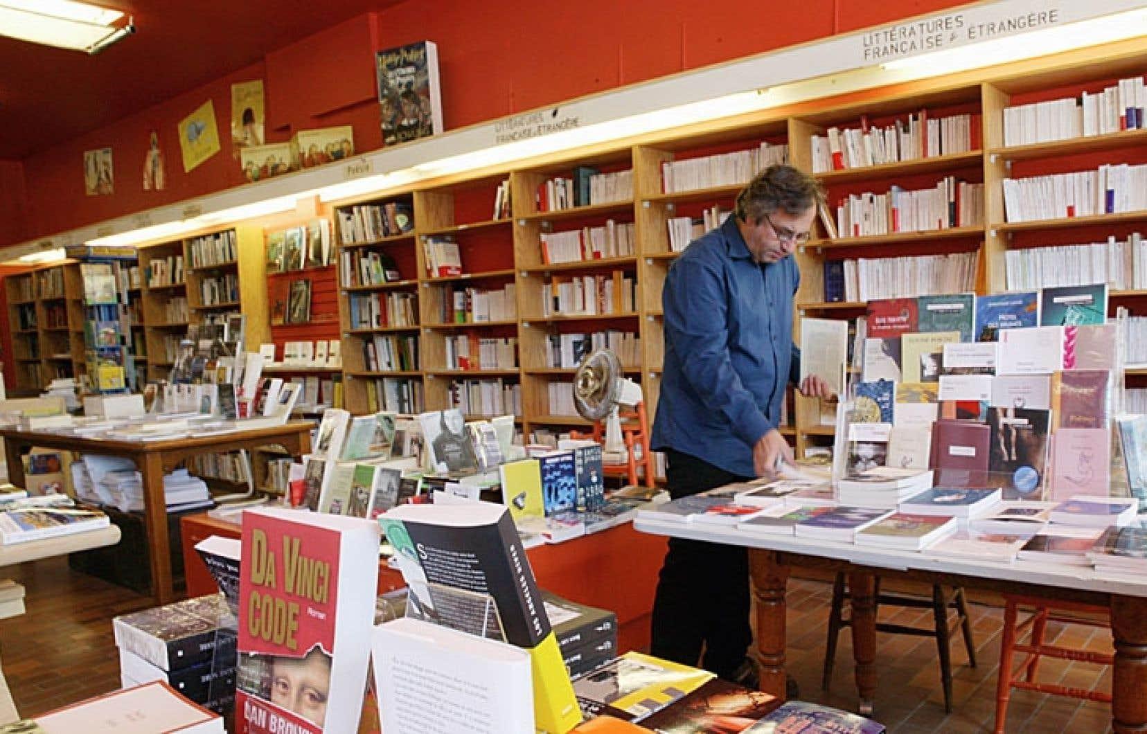 Depuis cinq ans, seize librairies agréées ont fermé leurs portes au Québec. Ci-dessus, l'intérieur de la boutique L'Écume des jours, à Montréal.