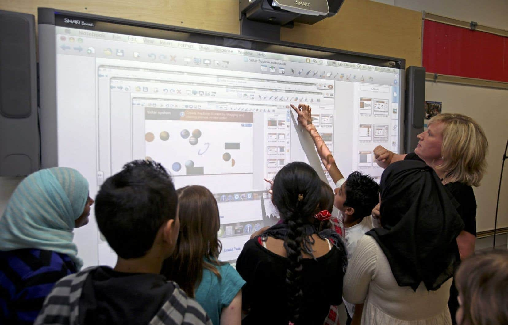 Premier constat de l'étude: le TBI n'est pas utilisé à la hauteur de son potentiel. La plupart du temps, le tableau sert d'écran de télévision ou d'écran de projection.