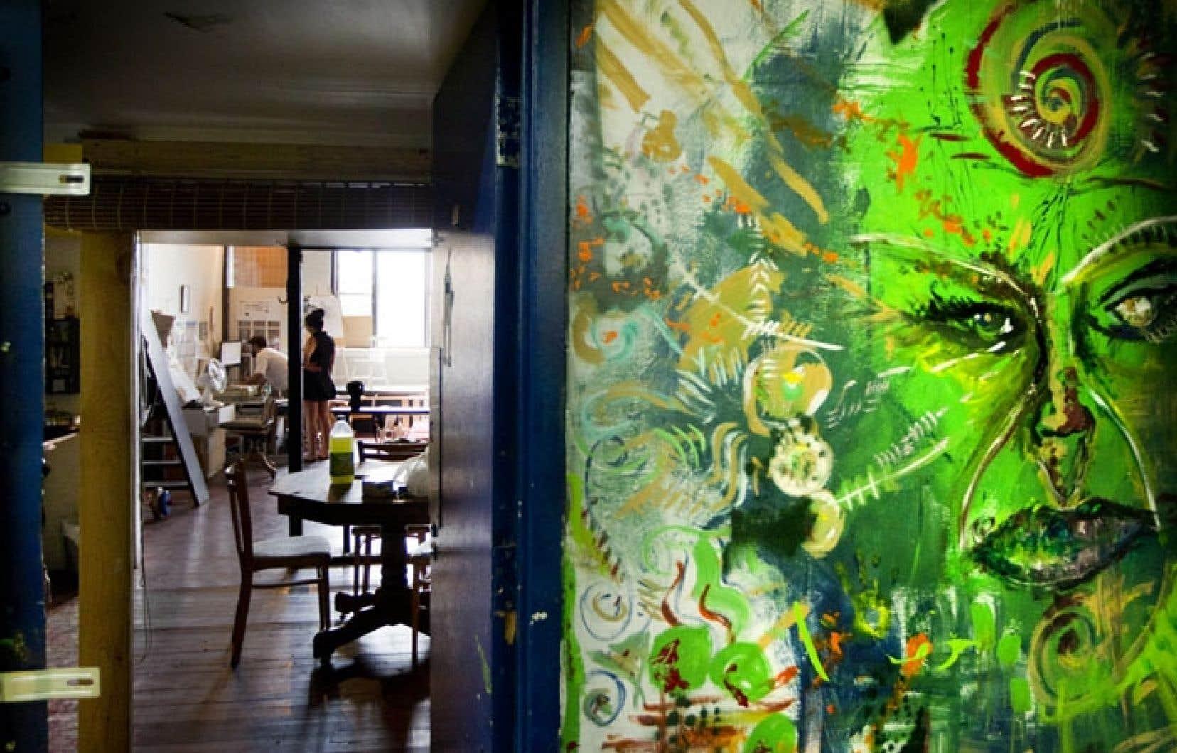 Des artistes habitent déjà les lofts de la rue Moreau - qui coûtent autour de 1000 $ par mois -, mais l'immeuble a besoin de rénovations majeures après avoir été négligé pendant plusieurs années.