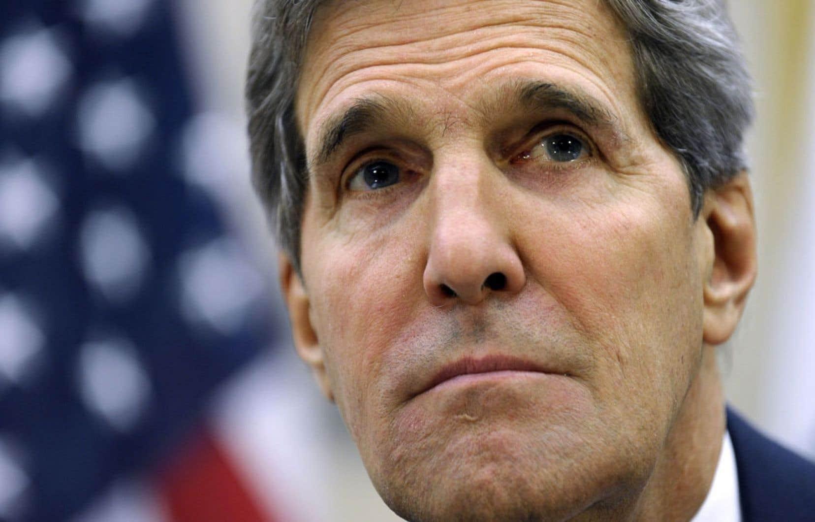 Pour le secrétaire d'État américain John Kerry, les États-Unis et leurs alliés se doivent de répondre à Damas, car le régime a franchi une ligne rouge en ayant recours à des armes chimiques.
