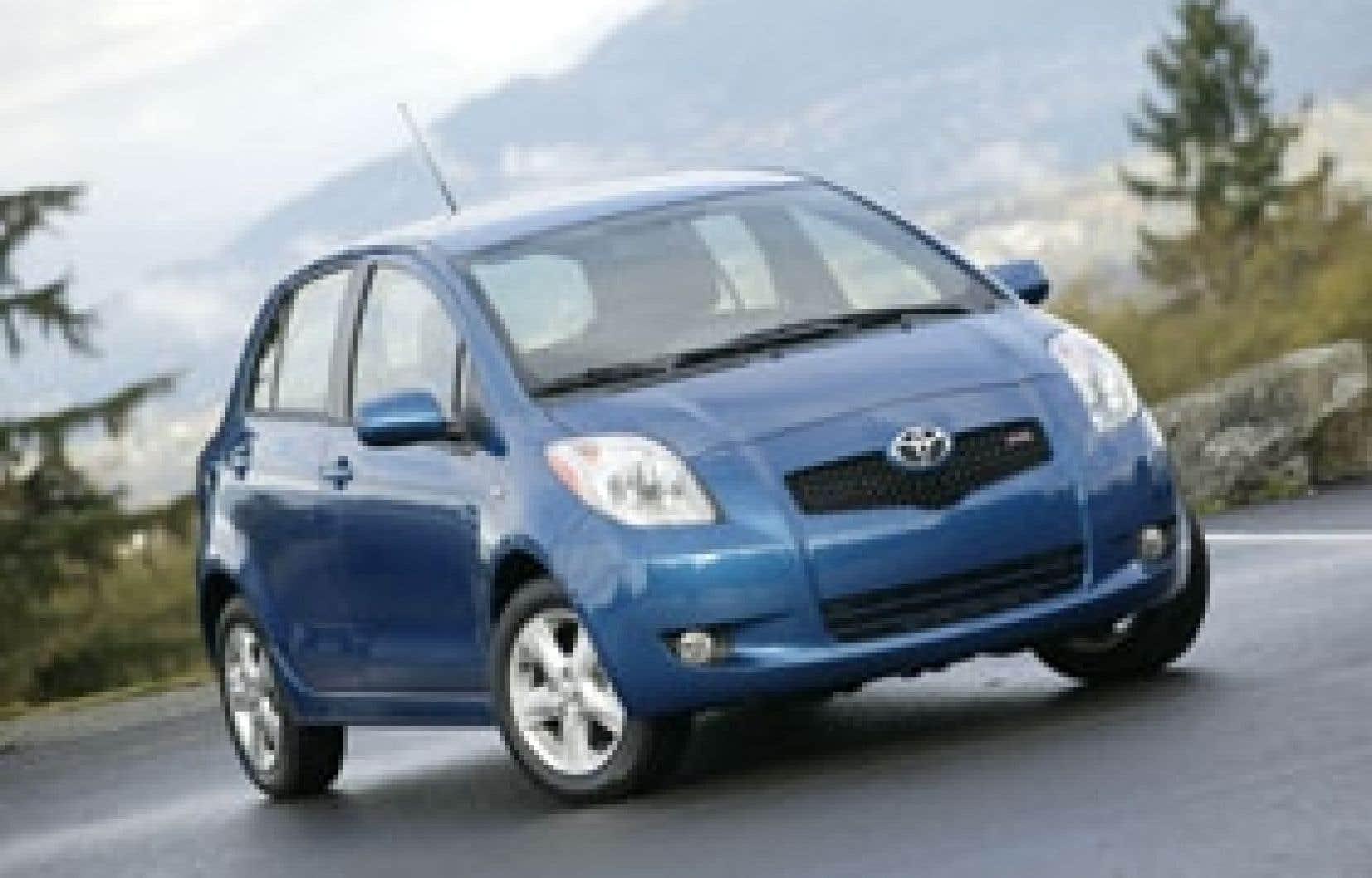 Héritière directe de la Toyota Echo, elle-même la descendante de la Tercel, la Yaris n'a pas que des défauts: sa ligne est plutôt sympathique, et son habitacle est truffé d'astuces pratiques.