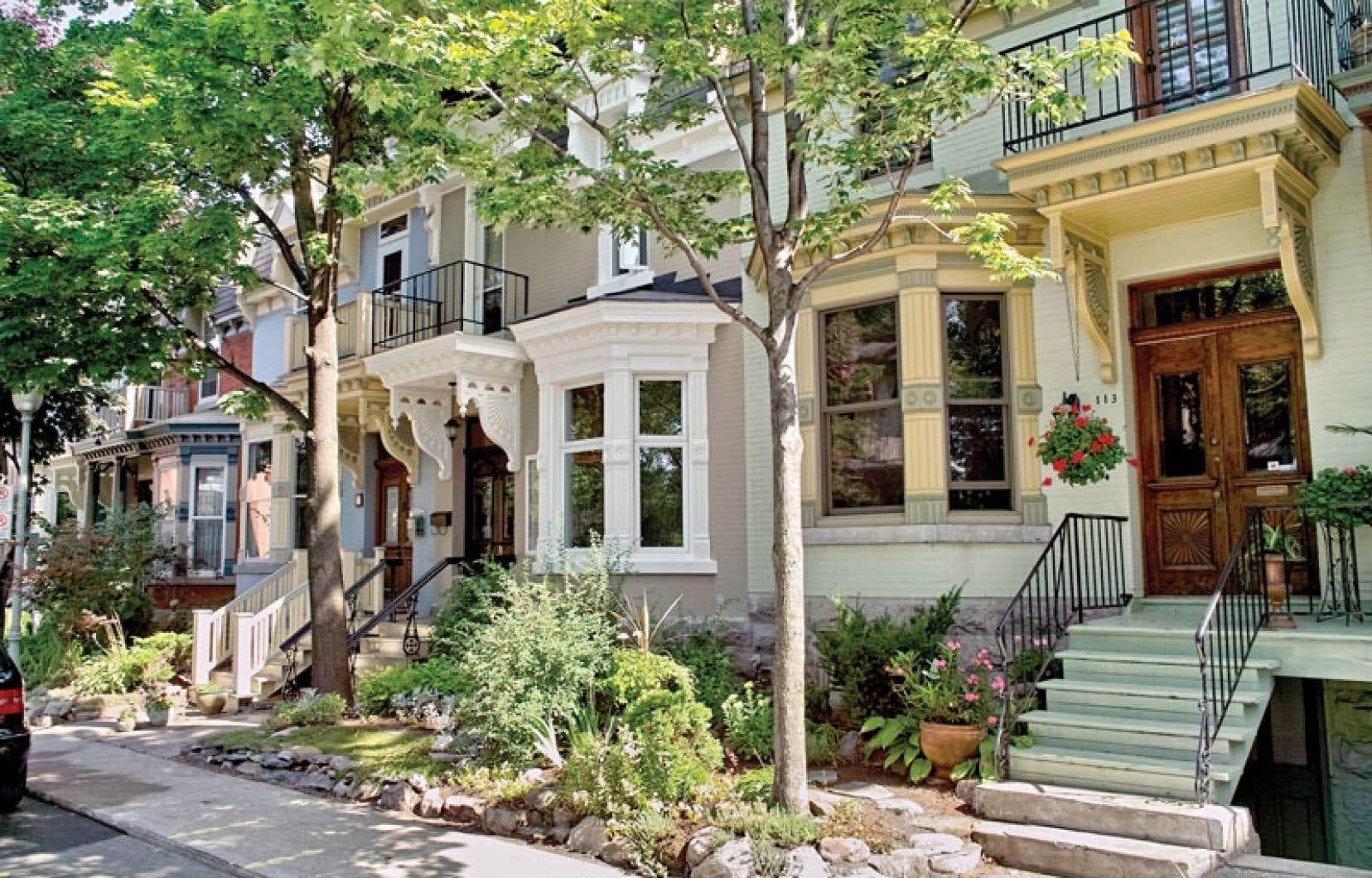 Pour mener à bien la confection du nouveau rôle foncier, le Service d'évaluation de la Ville a examiné près de 30000 transactions immobilières conclues en 2012 et épluché 23000 déclarations de données économiques de propriétés à revenus.