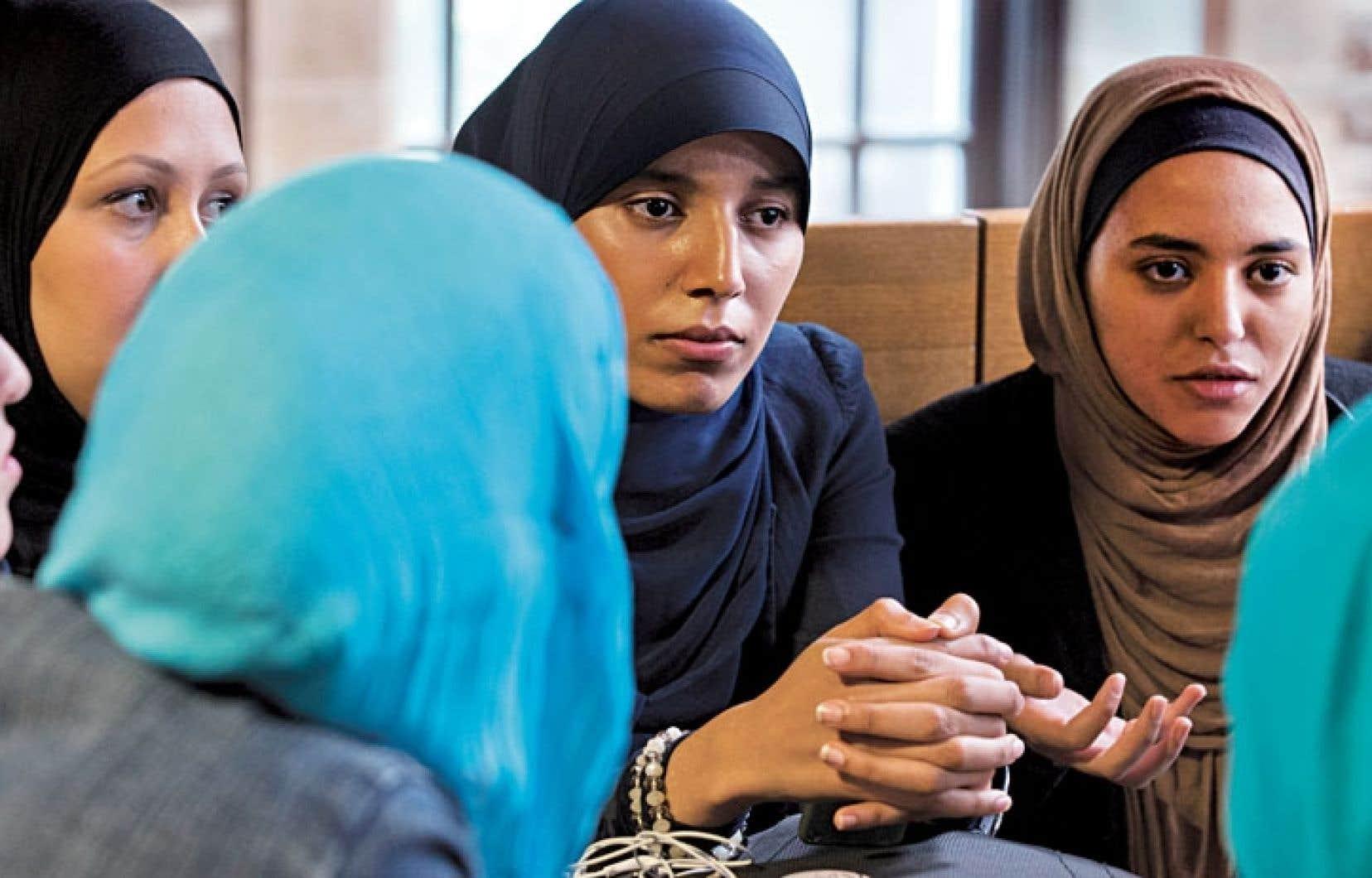 La forte présence de femmes portant le voile dans certains milieux comme les garderies ne crée pas de tensions.