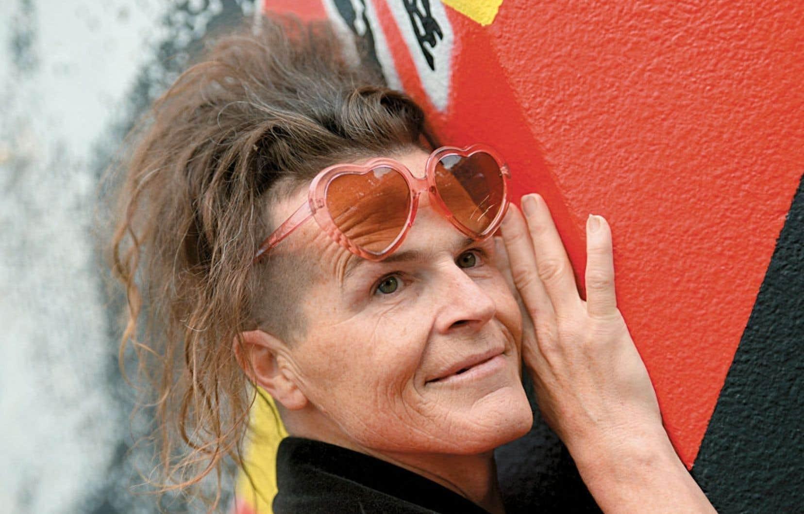 <strong>Norrie</strong> : En Australie, cette personne qui se fait appeler Norrie et refuse de s'identifier comme un homme ou une femme a remporté en juin 2013 une bataille juridique qui statue que le sexe ne peut être limité au seul féminin ou masculin.