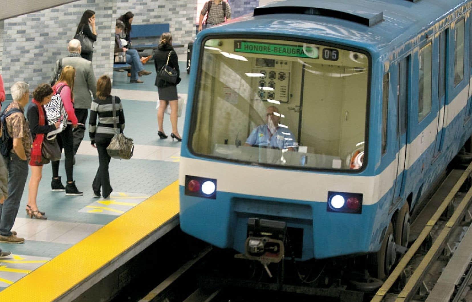 Le réseau de métro est composé de 68 stations réparties sur quatre lignes.