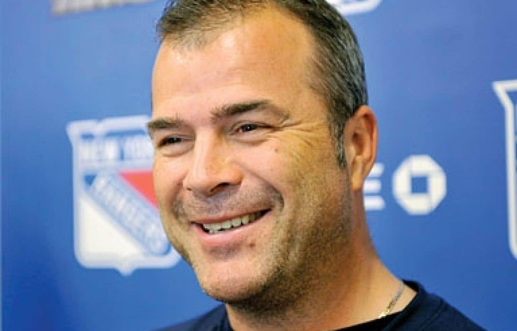 Alain Vigneault sera à la tête des Rangers de New York cette saison.
