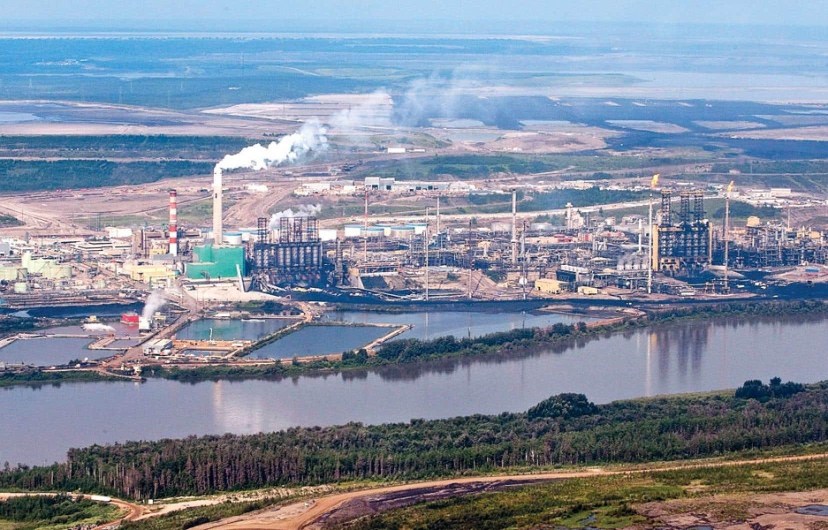 Les installations de Suncor à Fort McMurray, en Alberta
