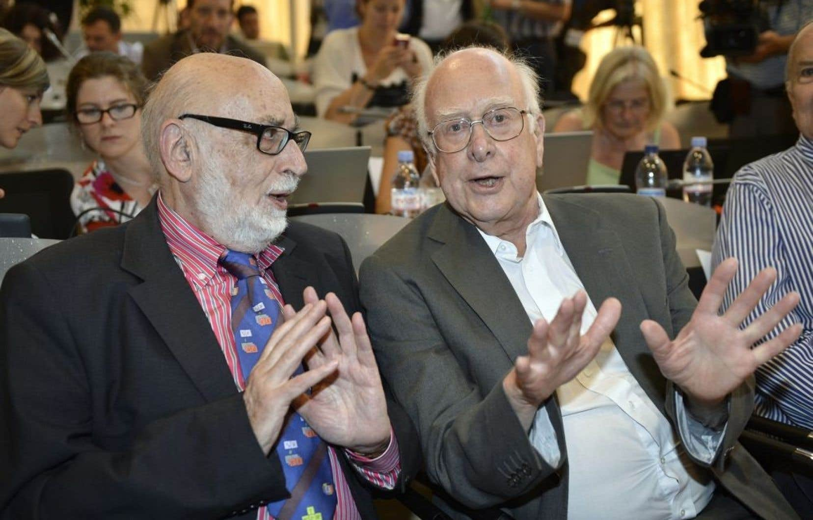 François Englert, de Belgique, et Peter Higgs, de Grande-Bretagne.