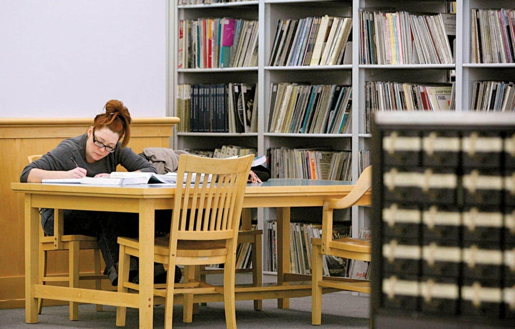 Les sciences scociales telles qu'enseignées dans les universités canadiennes et américaines sont de plus en plus menacées par certains idéologues qui remettent en cause leur utilité.