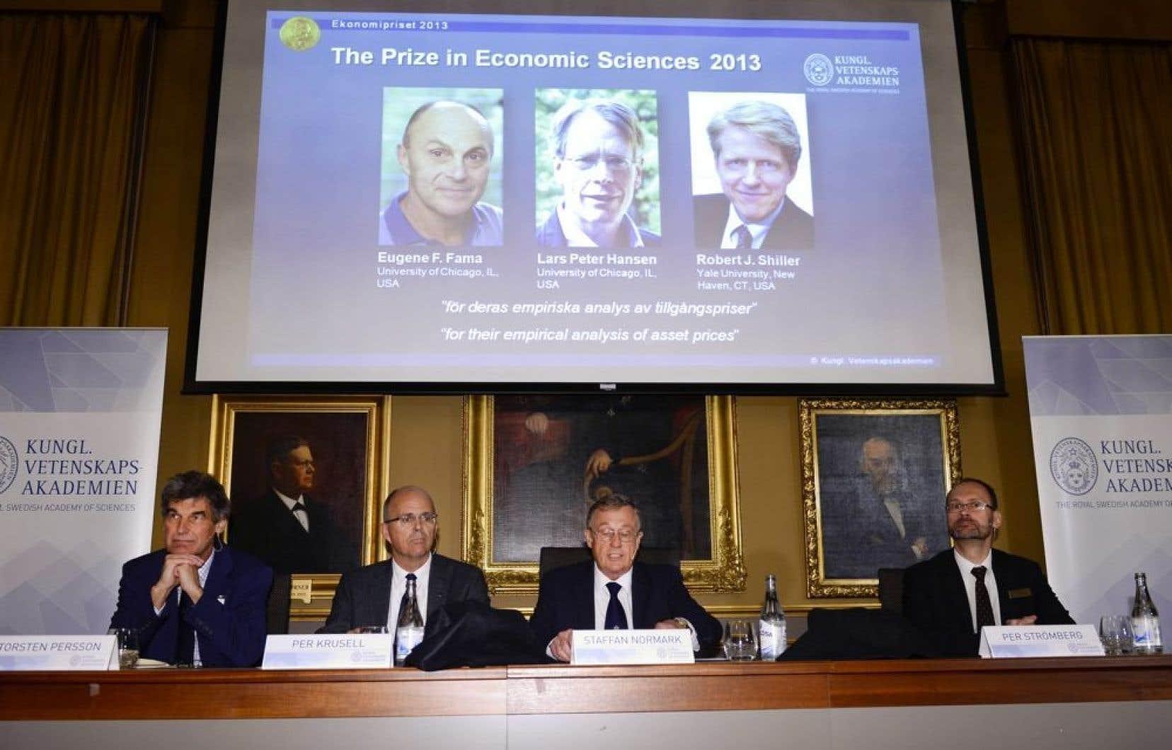 L'Académie royale des sciences de Suède a remis lundi le prix Nobel d'économie àEugene Fama et Lars Peter Hansen, qui enseignent à l'Université de Chicago, et à Robert Shiller, professeur à l'Université Yale.