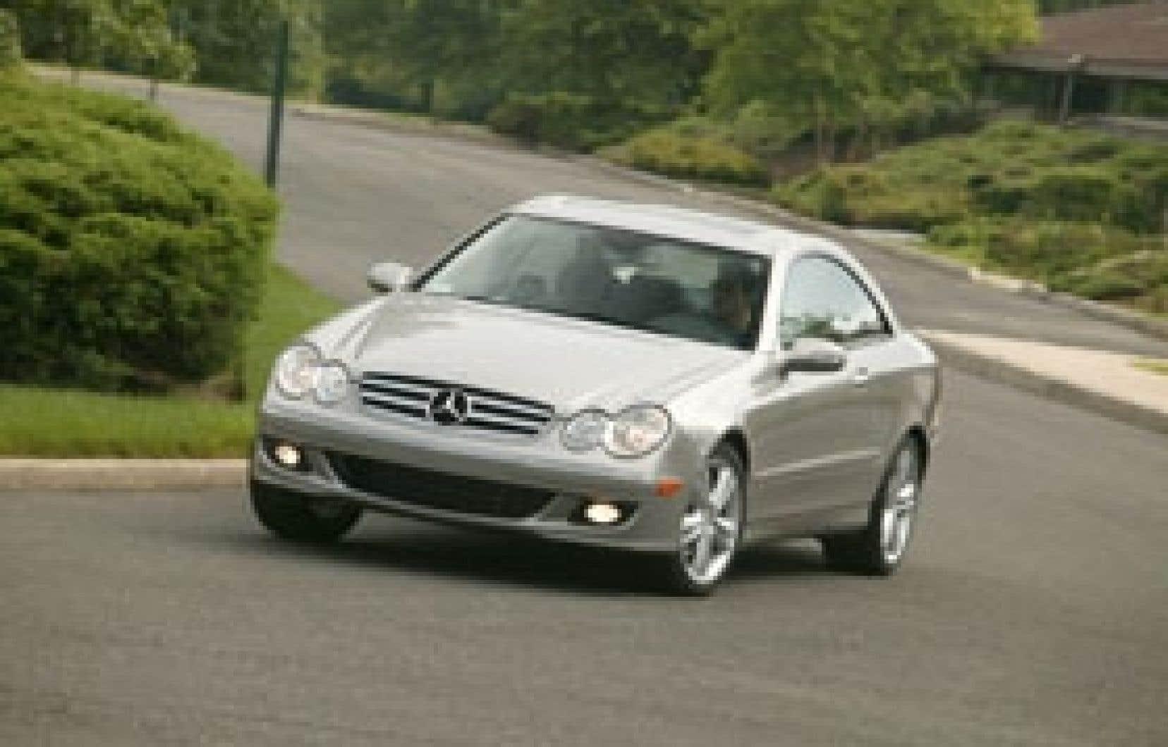 Aucun modèle Mercedes n'est recommandé par Consumer Reports ni par le Guide annuel autos 2007 de Protégez-vous. Pour une marque de prestige, voilà qui est plutôt navrant, d'autant plus que ce constructeur reconnaît du bout des lèvres ses probl