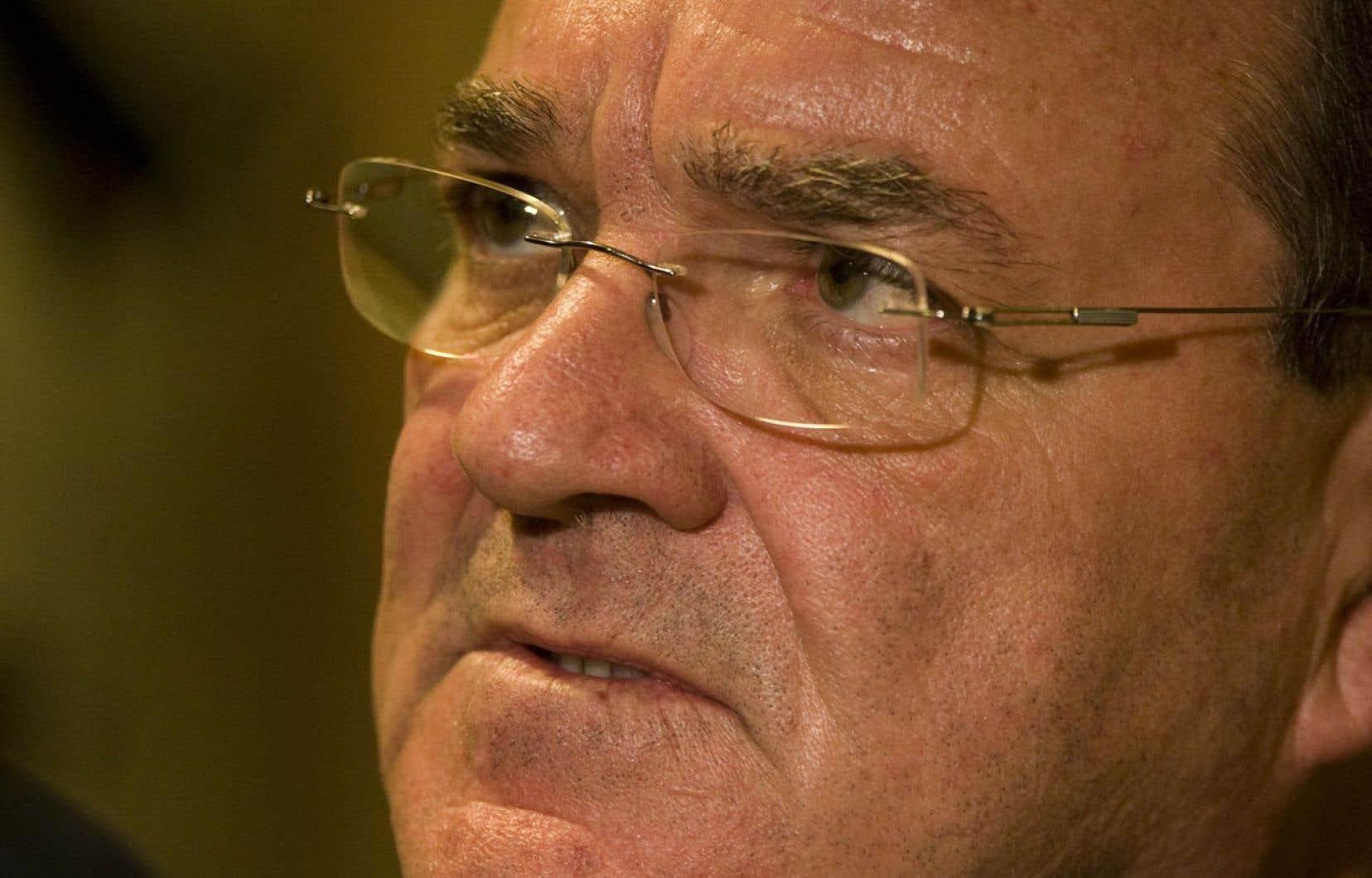 Le ministre fédéral des Finances, Jim Flaherty, a présenté un nouveau projet de loi budgétaire mammouth.