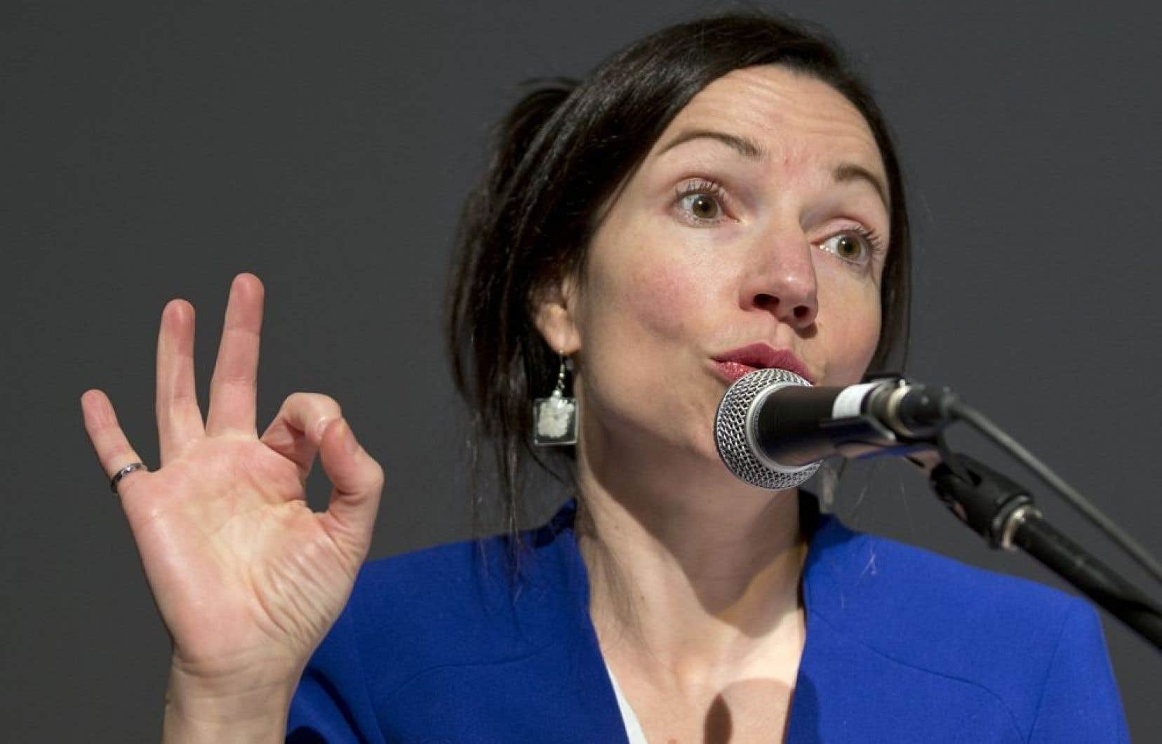 <p>La ministre des Ressources naturelles, Martine Ouellet, dont le projet de réforme avait été critiqué tant par l'opposition que par le lobby minier, s'est dite déçue de l'attitude de l'opposition.</p>