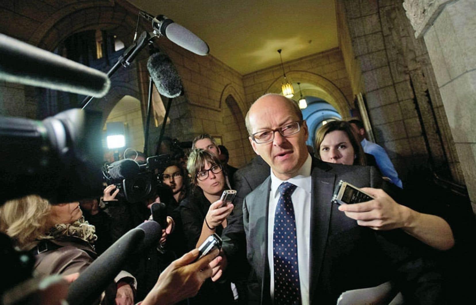 Le leader du gouvernement au Sénat, Claude Carignan, a affirmé qu'il ne forcerait pas ses troupes à appuyer la nouvelle motion.