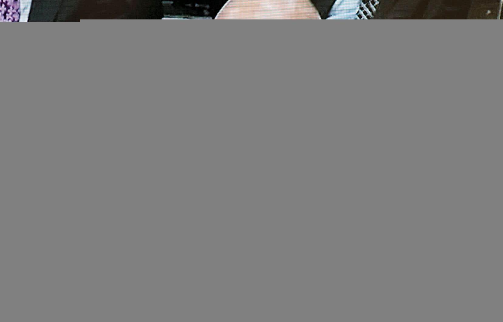L'ex-directeur général de la FTQ-Construction, Jocelyn Dupuis, a commencé jeudi son très attendu témoignage devant la commission Charbonneau. Il y a expliqué ses relations avec Tony Accurso, mais devra aussi répondre aux nombreuses questions soulevées à son sujet par les écoutes électroniques entendues à la commission.
