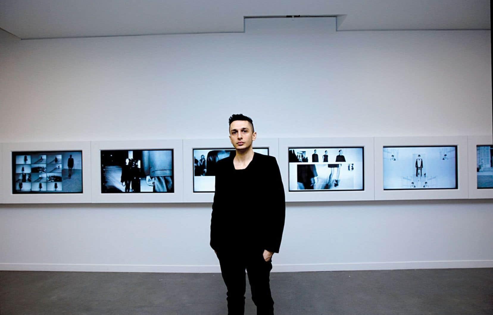 Plusieurs œuvres du créateur Rad Hourani sont présentées au Centre Phi jusqu'au 30 novembre.