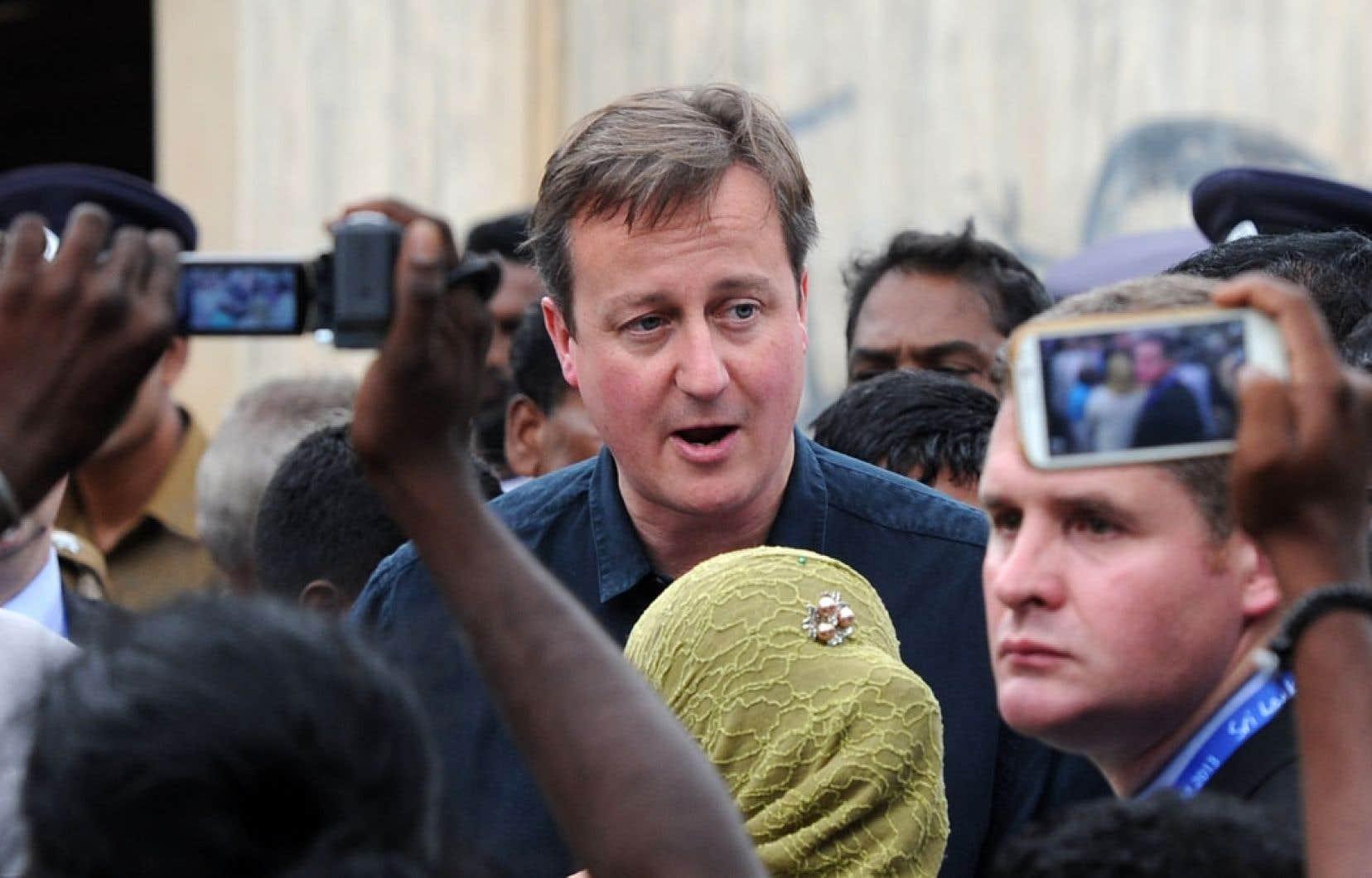 Le premier ministre britannique a visité un centre communautaire à Jaffna, dans le nord du Sri Lanka.