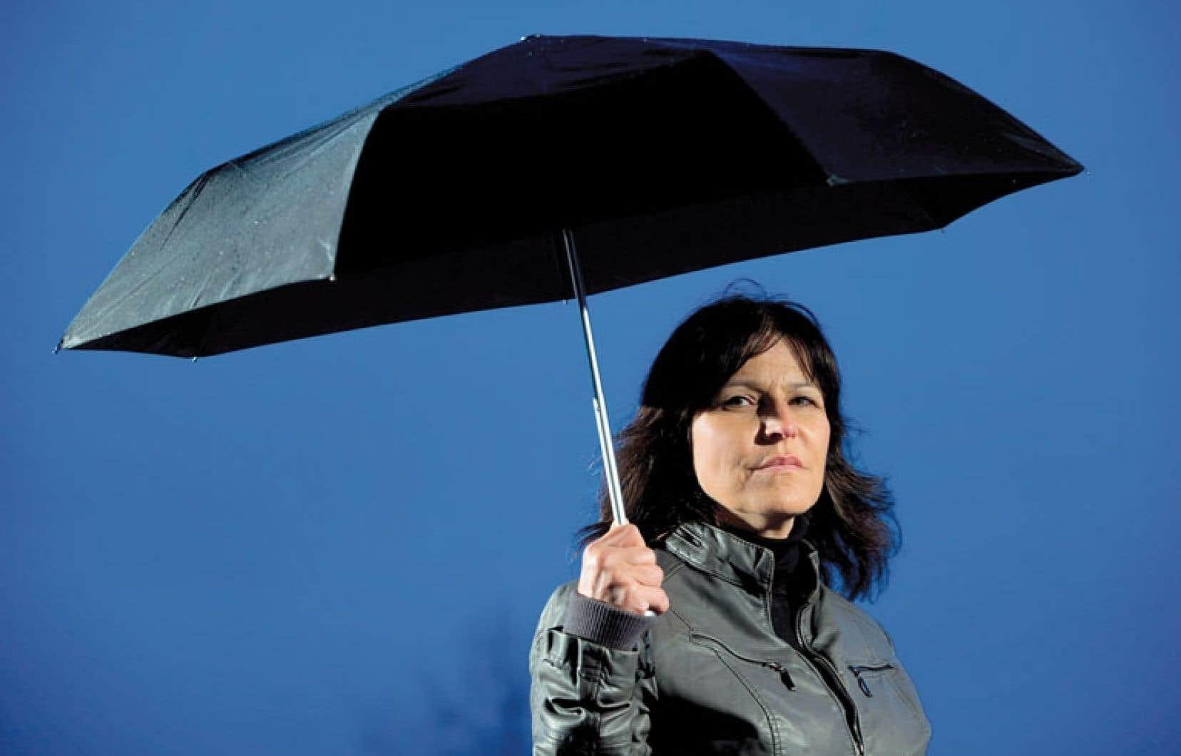 Sylvie Therrien a été renvoyée après avoir divulgué des informations à un journaliste au sujet des quotas de compressions que l'on imposait aux fonctionnaires de l'assurance-emploi.