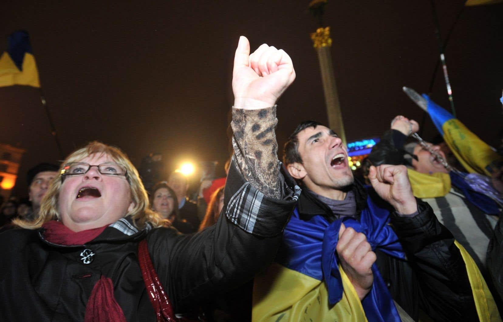 Les activistes pro-européens ont manifesté vendredi sur la place de l'Indépendance à Kiev.