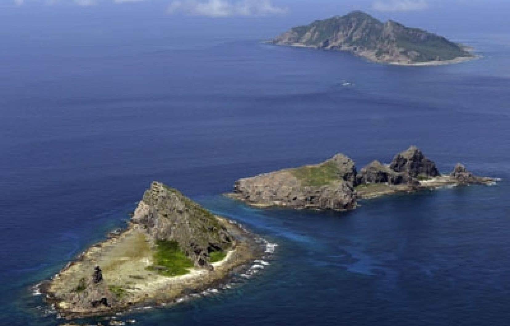 Les Senkaku-Diaoyu, potentiellement riches en matières premières, attisent les tensions sino-japonaises depuis leur nationalisation par l'Archipel en septembre 2012.