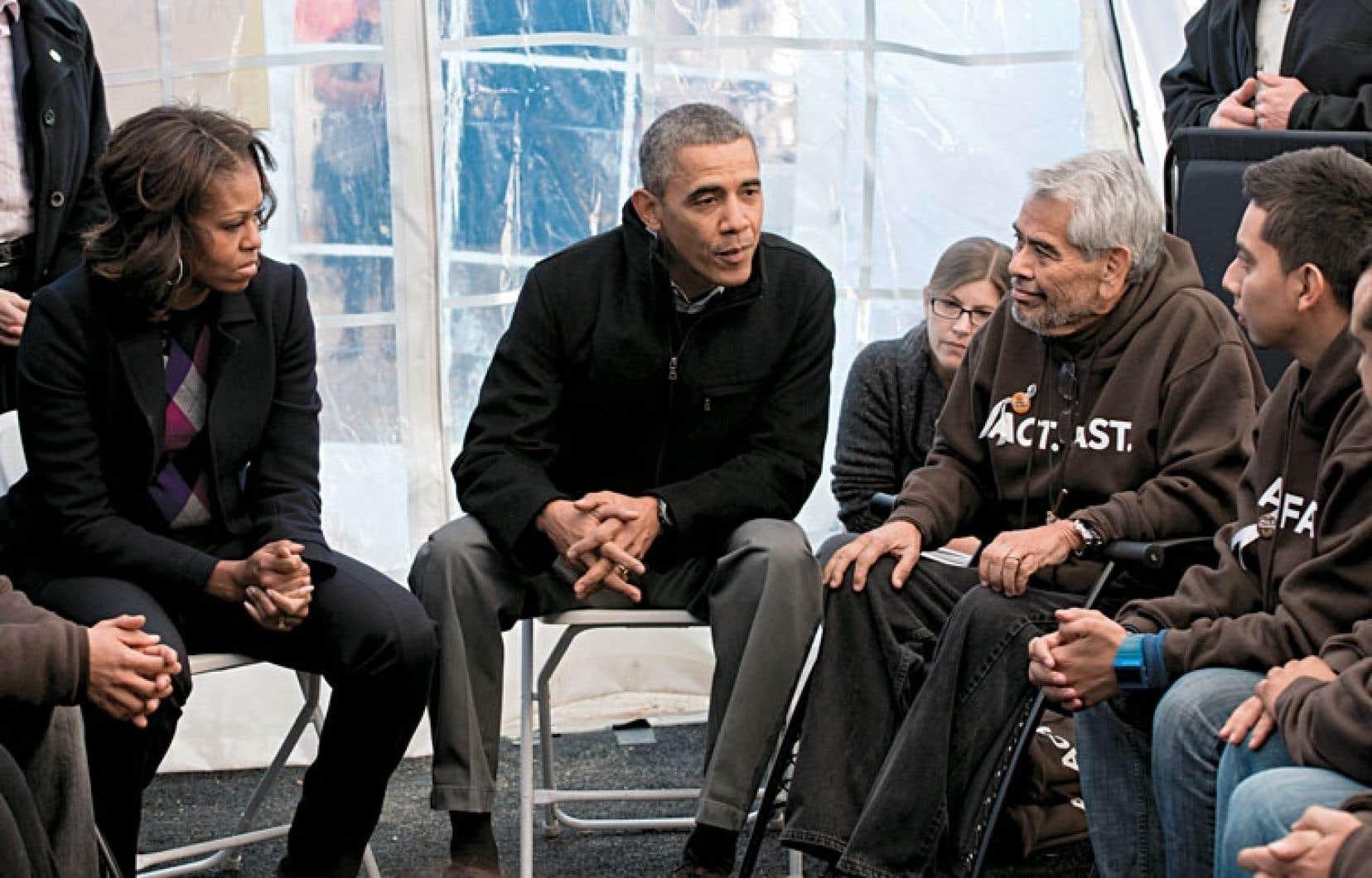 Le président et la première dame sous une tente dans le «Mall» de Washington