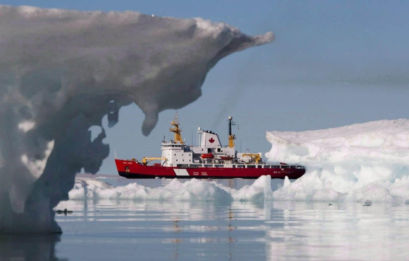 Le Canada se prépare à consacrer des milliards de dollars à la défense de l'Arctique.