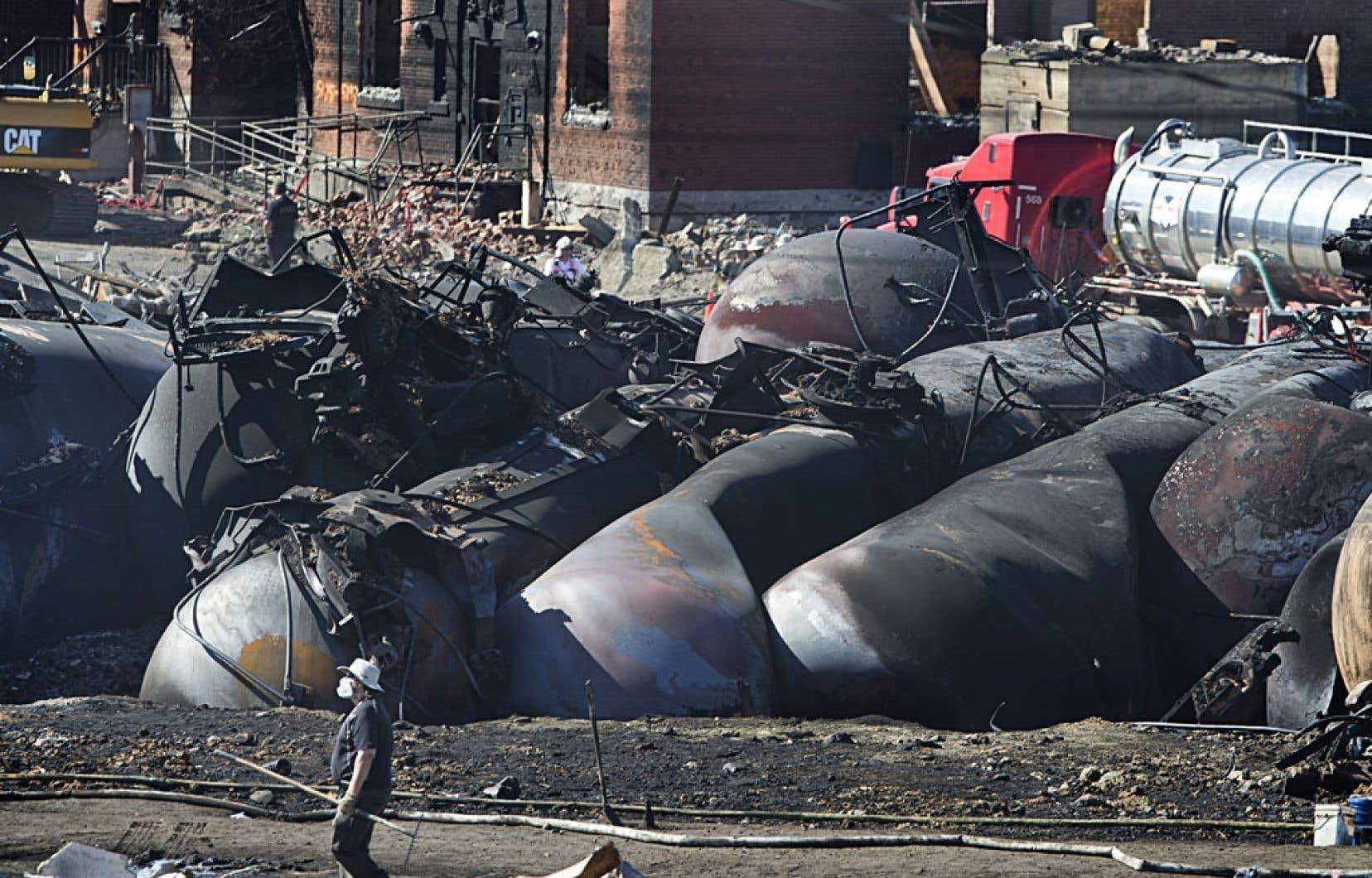 L'explosion de plusieurs wagons de pétrole au centre-ville de Lac-Mégantic le 6juillet a montré du doigt les lacunes dans la sécurité ferroviaire.