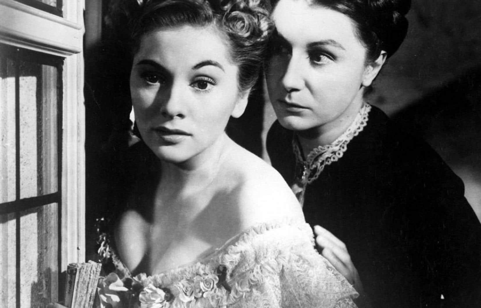 Cette photo, tirée de Rebecca, où l'on voit une Joan Fontaine terrifiée par l'inquiétante gouvernante campée par Judith Anderson est entrée dans les annales du cinéma.